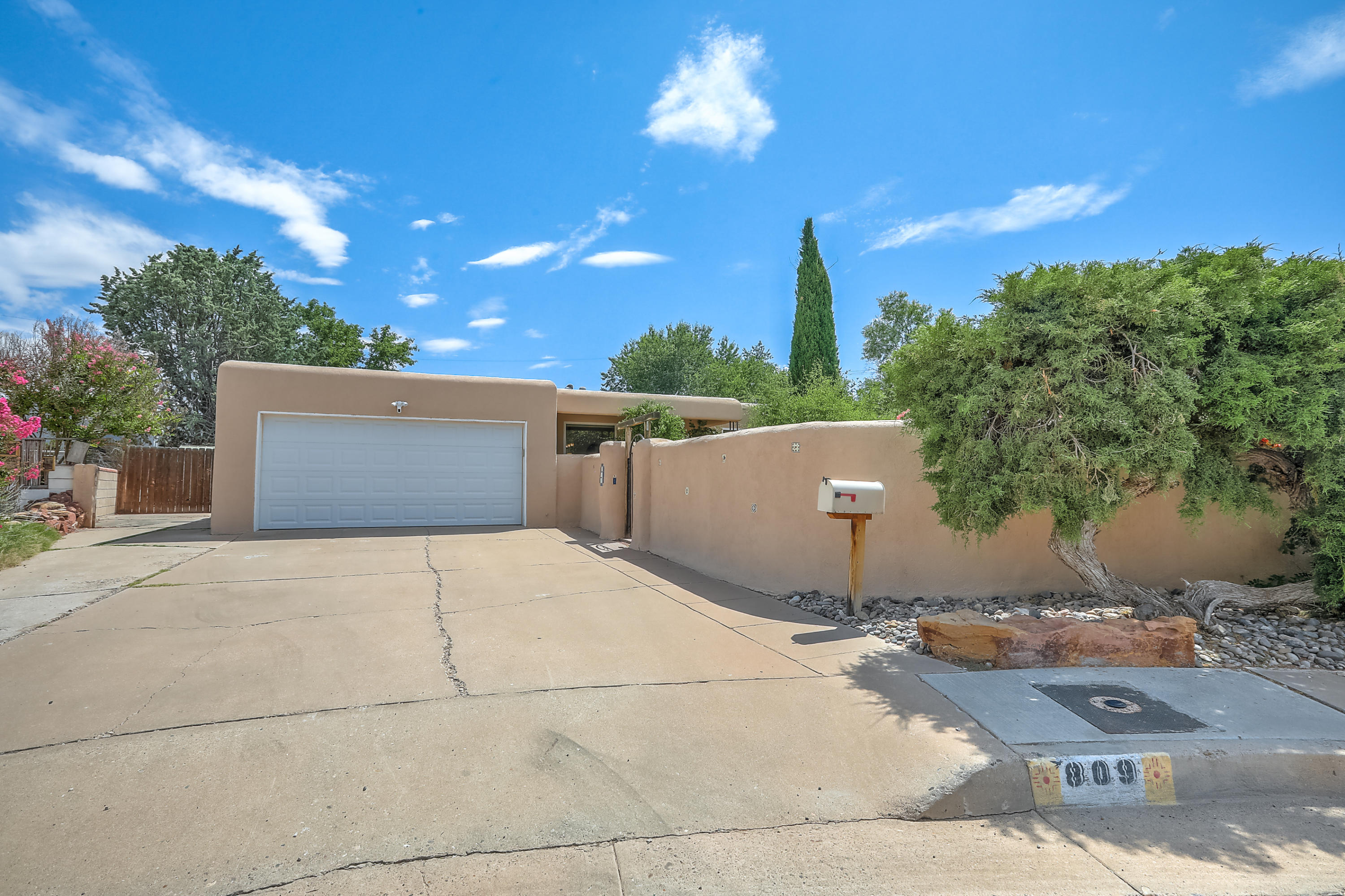 809 ADAMS Place SE Property Photo - Albuquerque, NM real estate listing