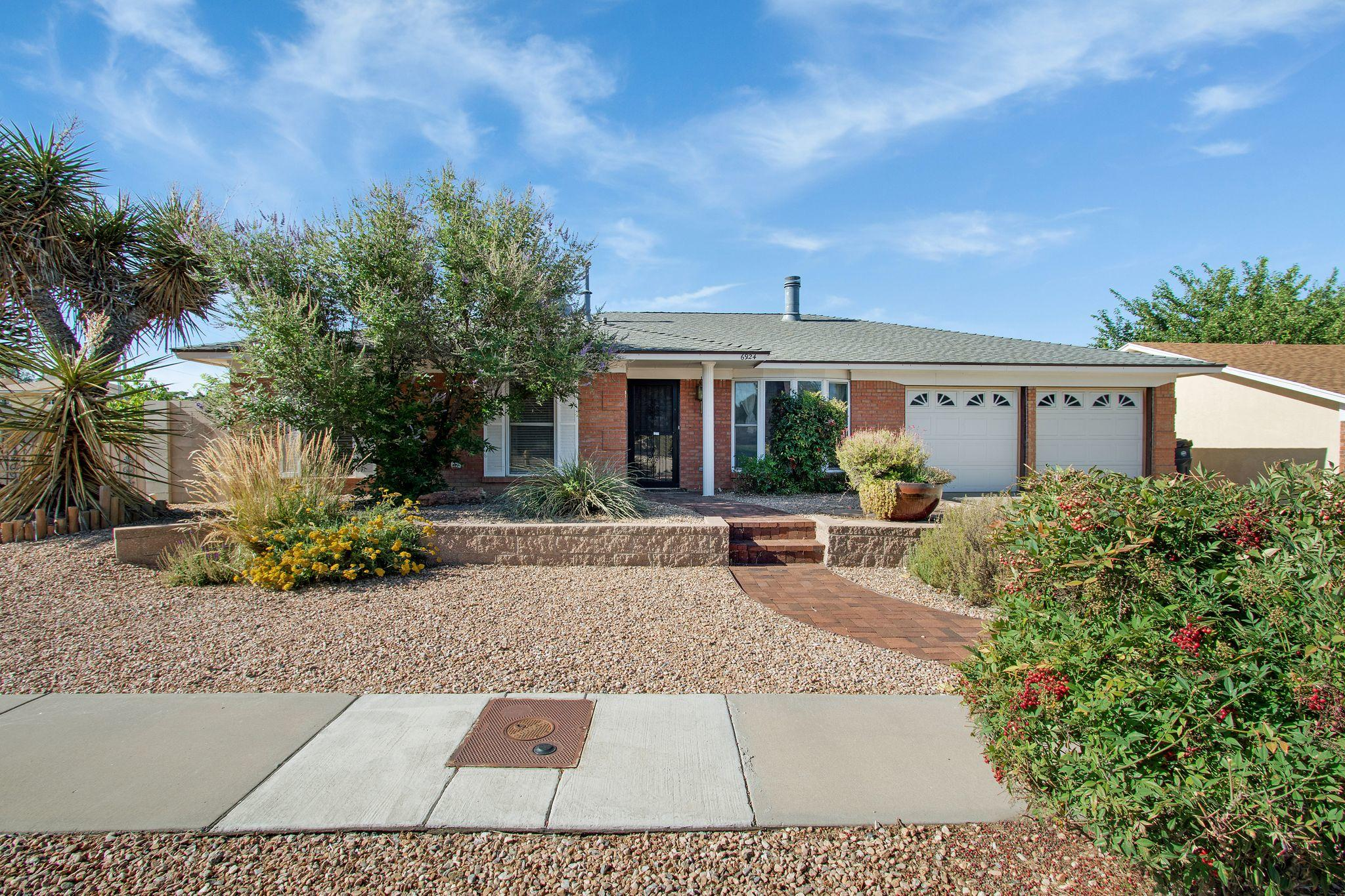 6924 AVENIDA LA COSTA NE Property Photo - Albuquerque, NM real estate listing