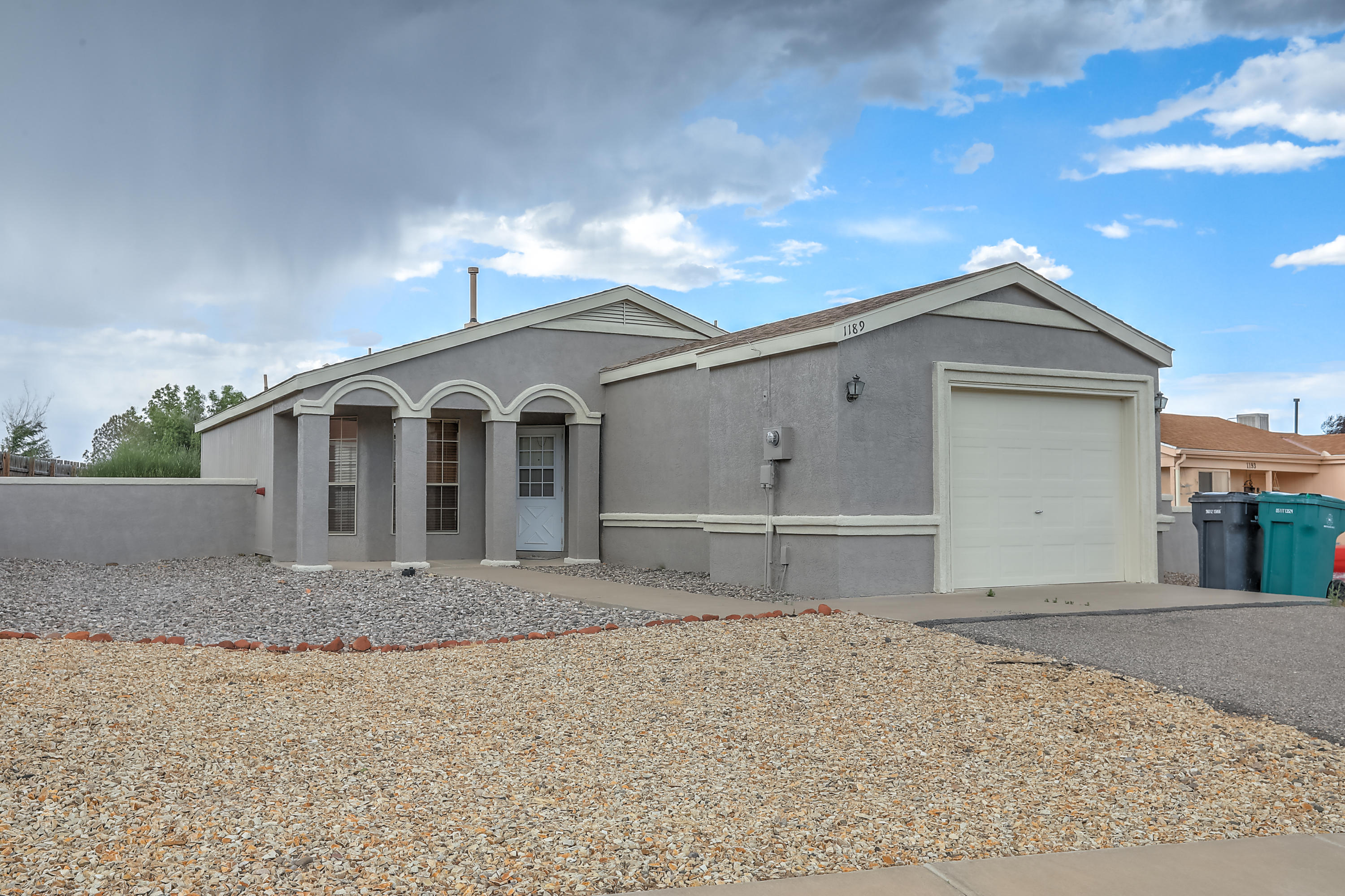 1189 RACHEL Road NE Property Photo - Rio Rancho, NM real estate listing