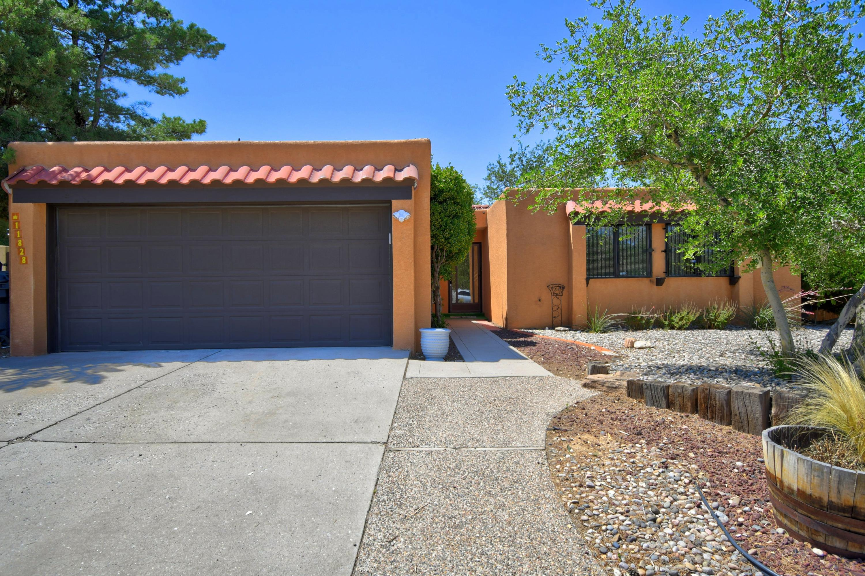 11828 Elvin Avenue NE Property Photo - Albuquerque, NM real estate listing