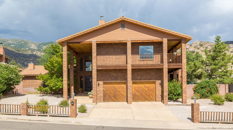 1608 Adelita Drive NE Property Photo - Albuquerque, NM real estate listing