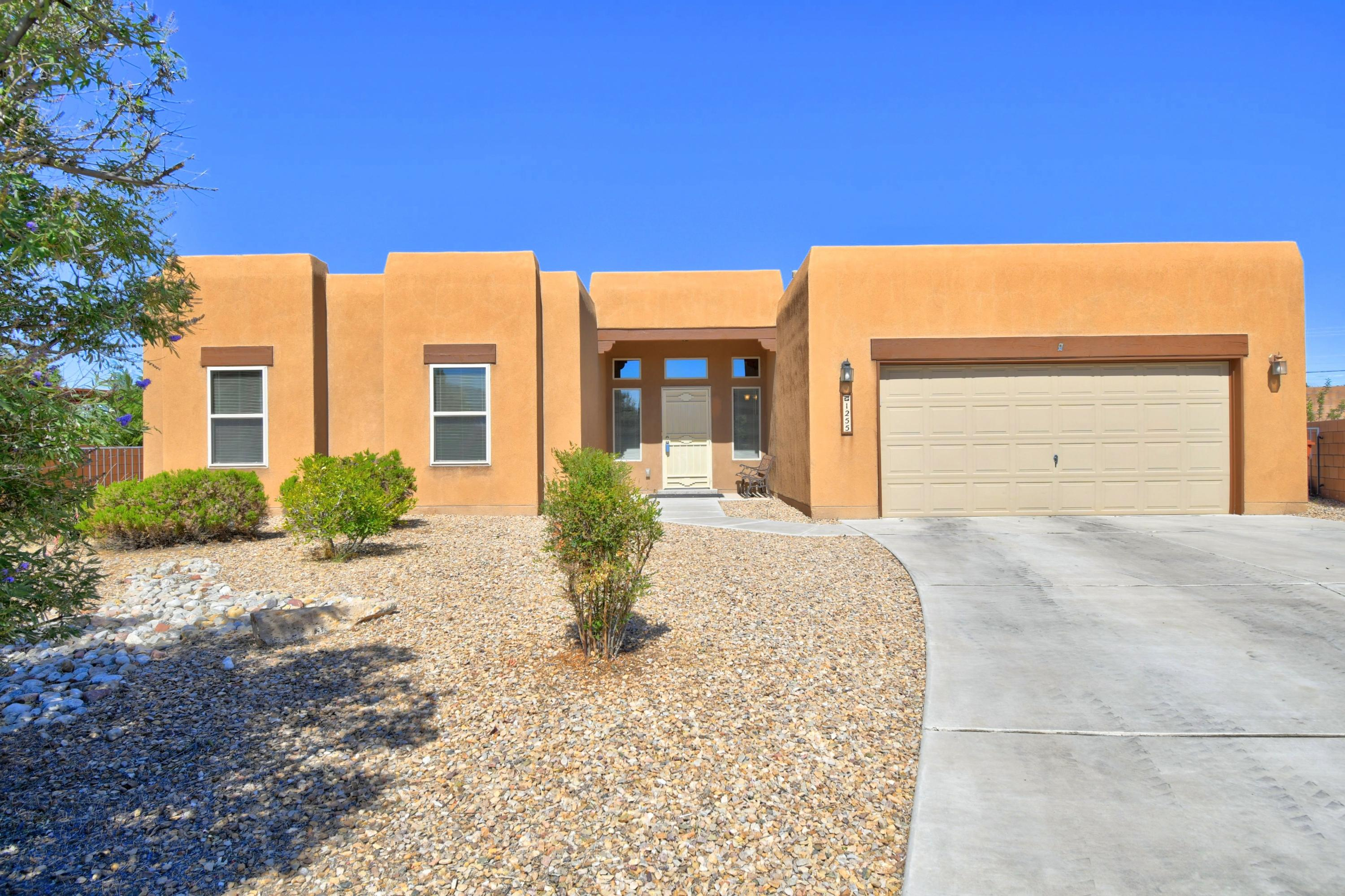 1255 Goodwin Drive Property Photo - Bernalillo, NM real estate listing