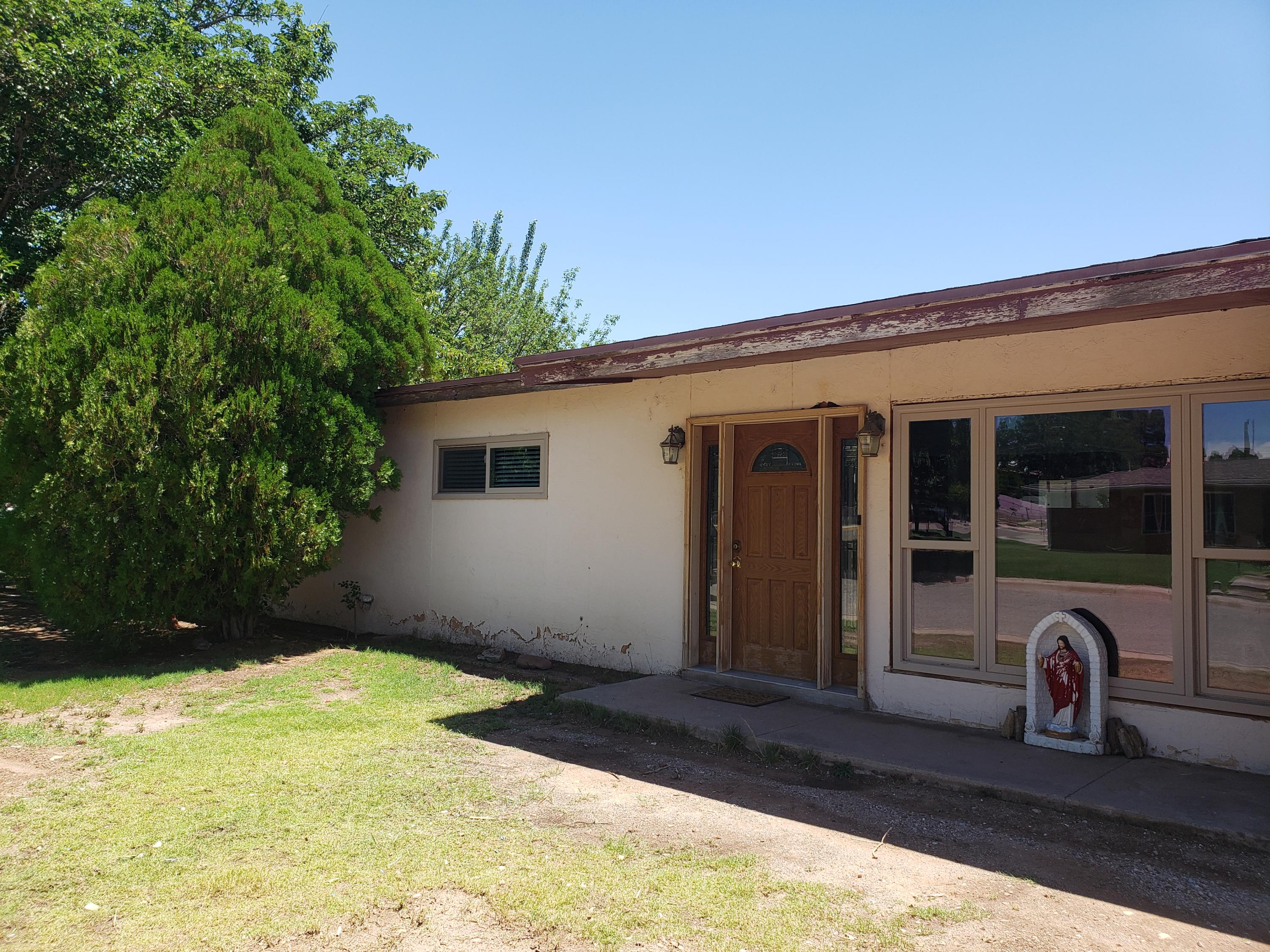 747 S 5th Street Property Photo - Santa Rosa, NM real estate listing