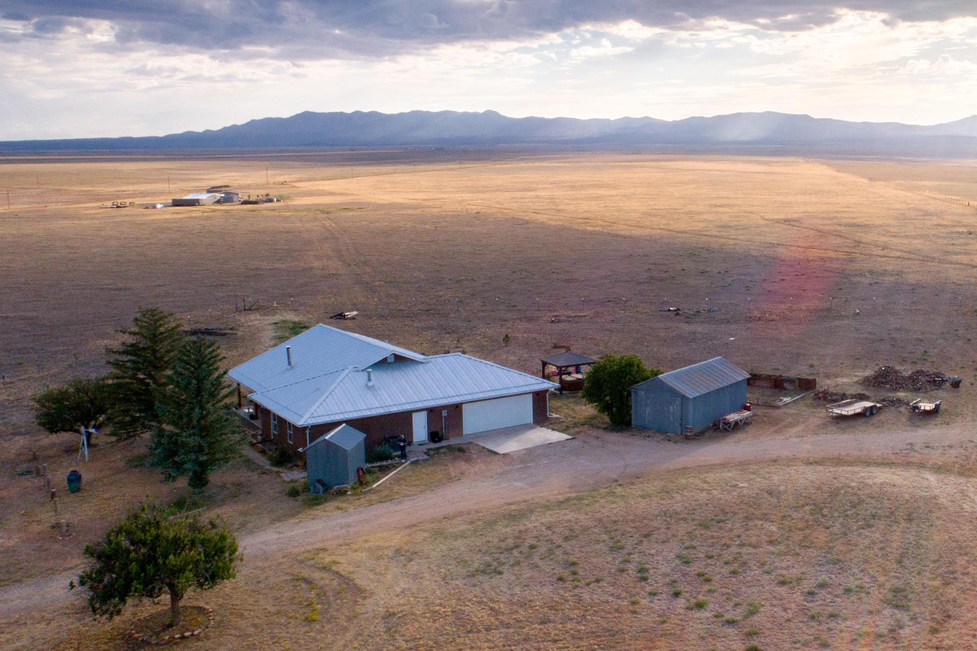 81 AKIN FARM Road Property Photo - Estancia, NM real estate listing