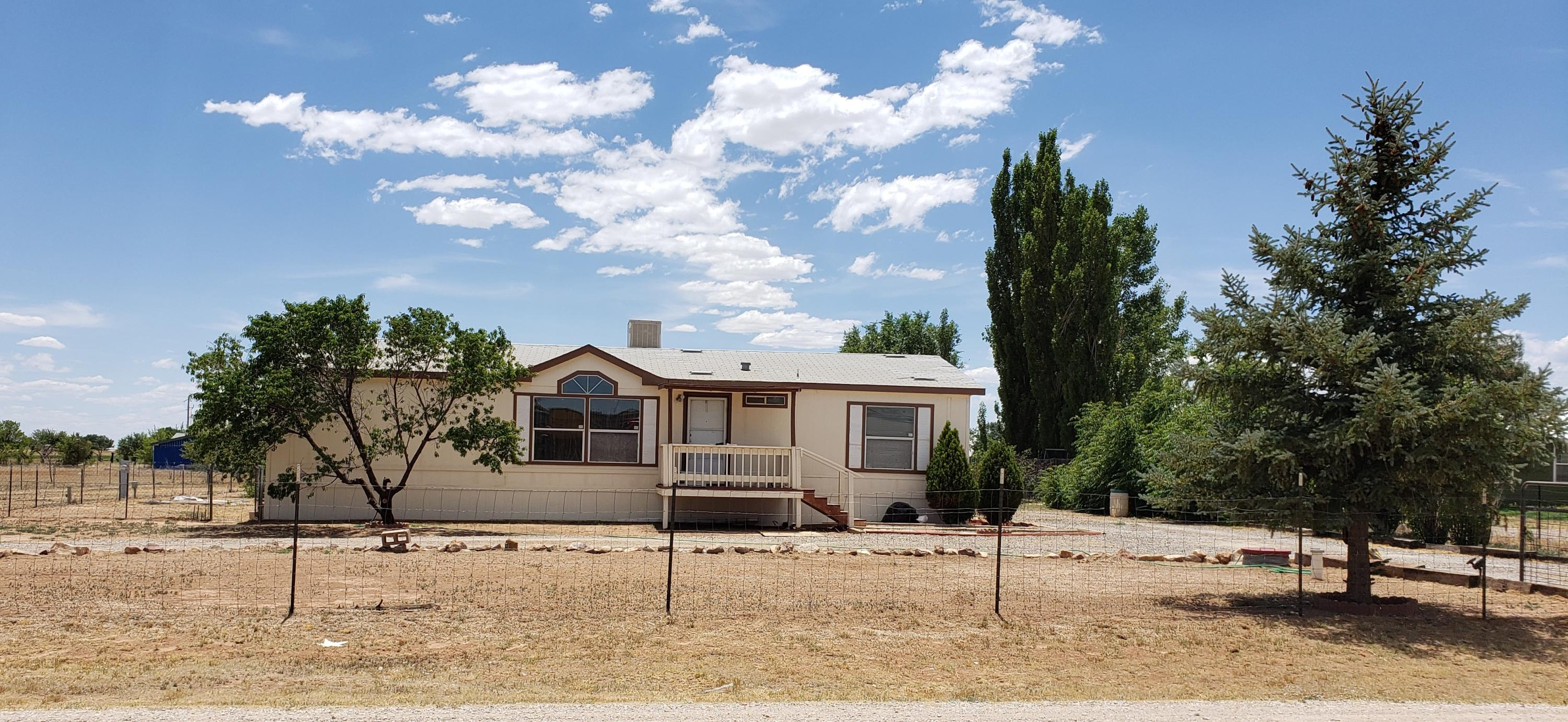 4 TWELVE OAKS Road Property Photo - Moriarty, NM real estate listing