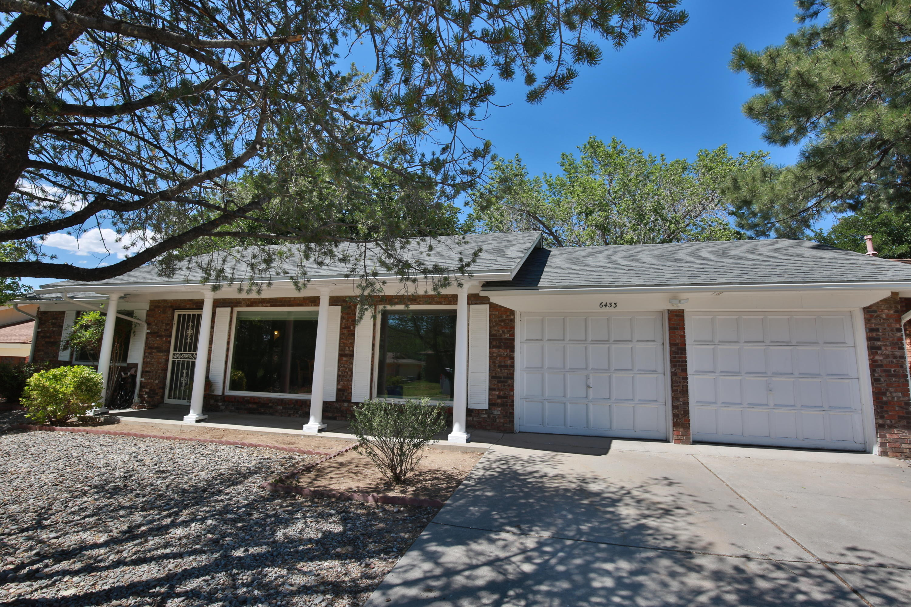 6433 CATHY Avenue NE Property Photo - Albuquerque, NM real estate listing