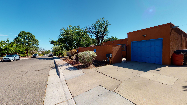 424 Montclaire Drive Se Property Photo