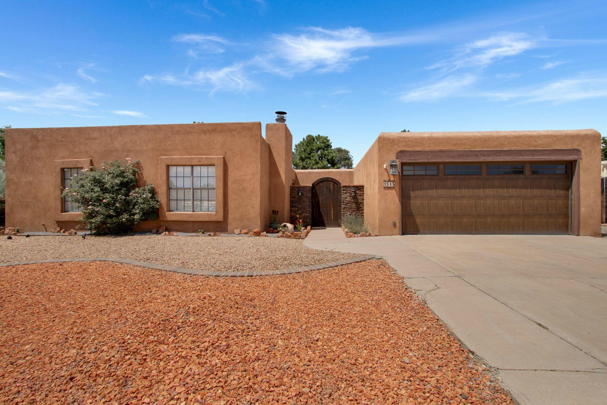 1513 Camino Amparo NW Property Photo - Albuquerque, NM real estate listing