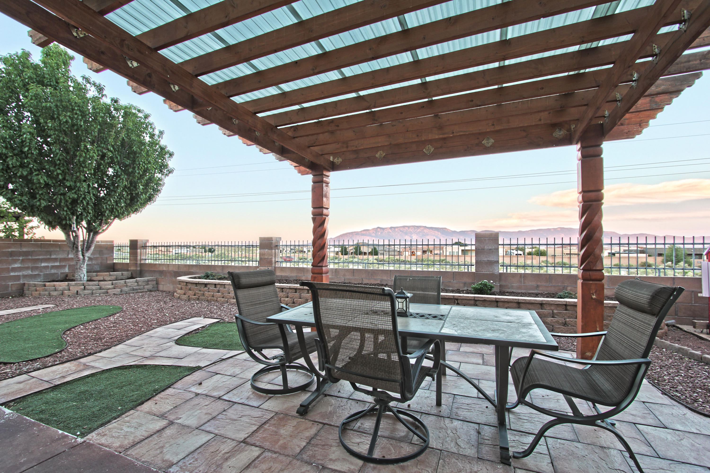 6804 VISTA DEL SOL Drive NW Property Photo - Albuquerque, NM real estate listing