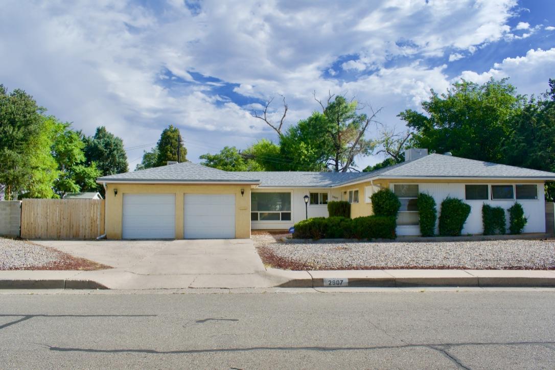 2907 ARIZONA Place NE Property Photo - Albuquerque, NM real estate listing