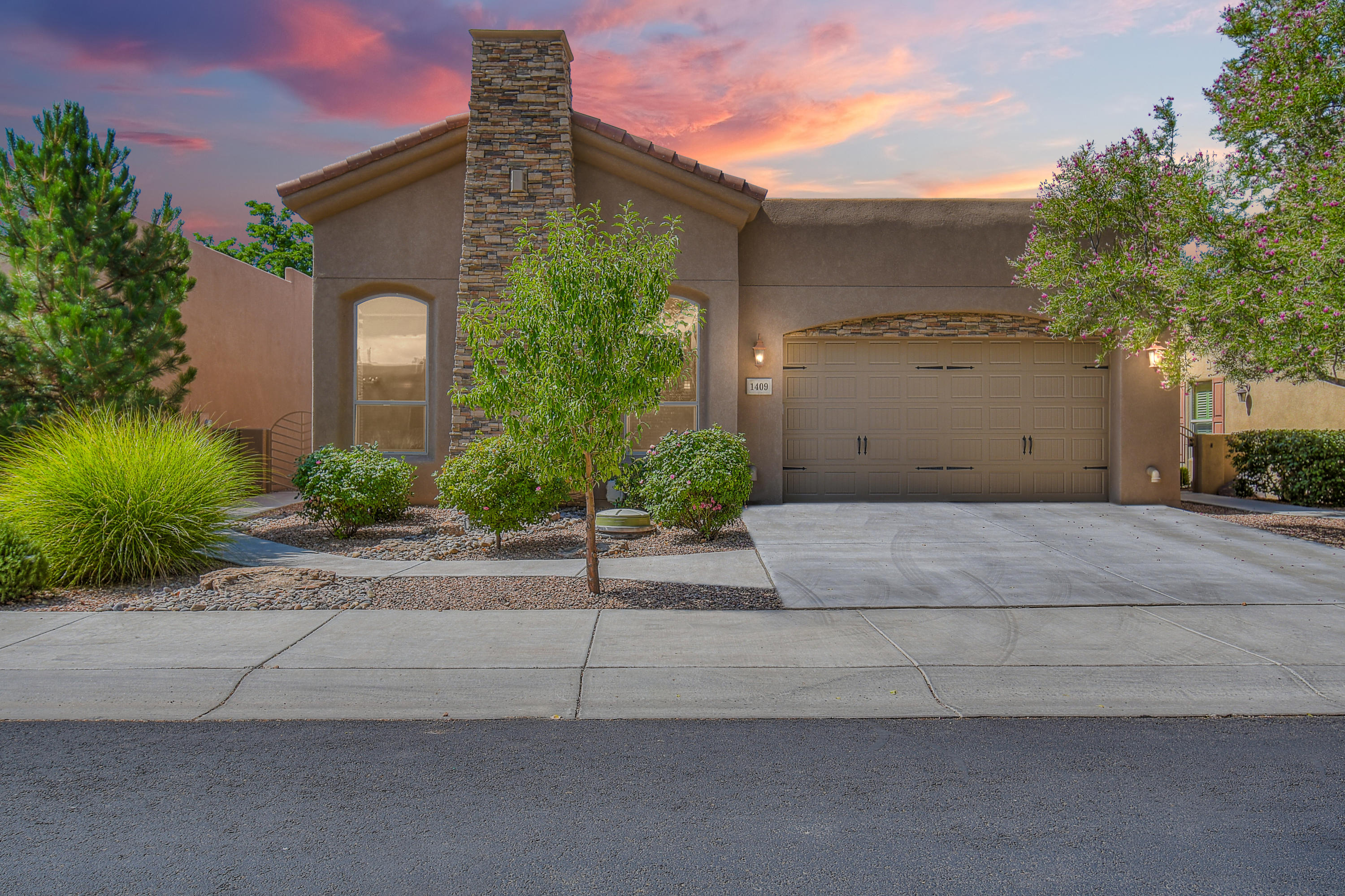 1409 VALLE Lane NW Property Photo - Albuquerque, NM real estate listing