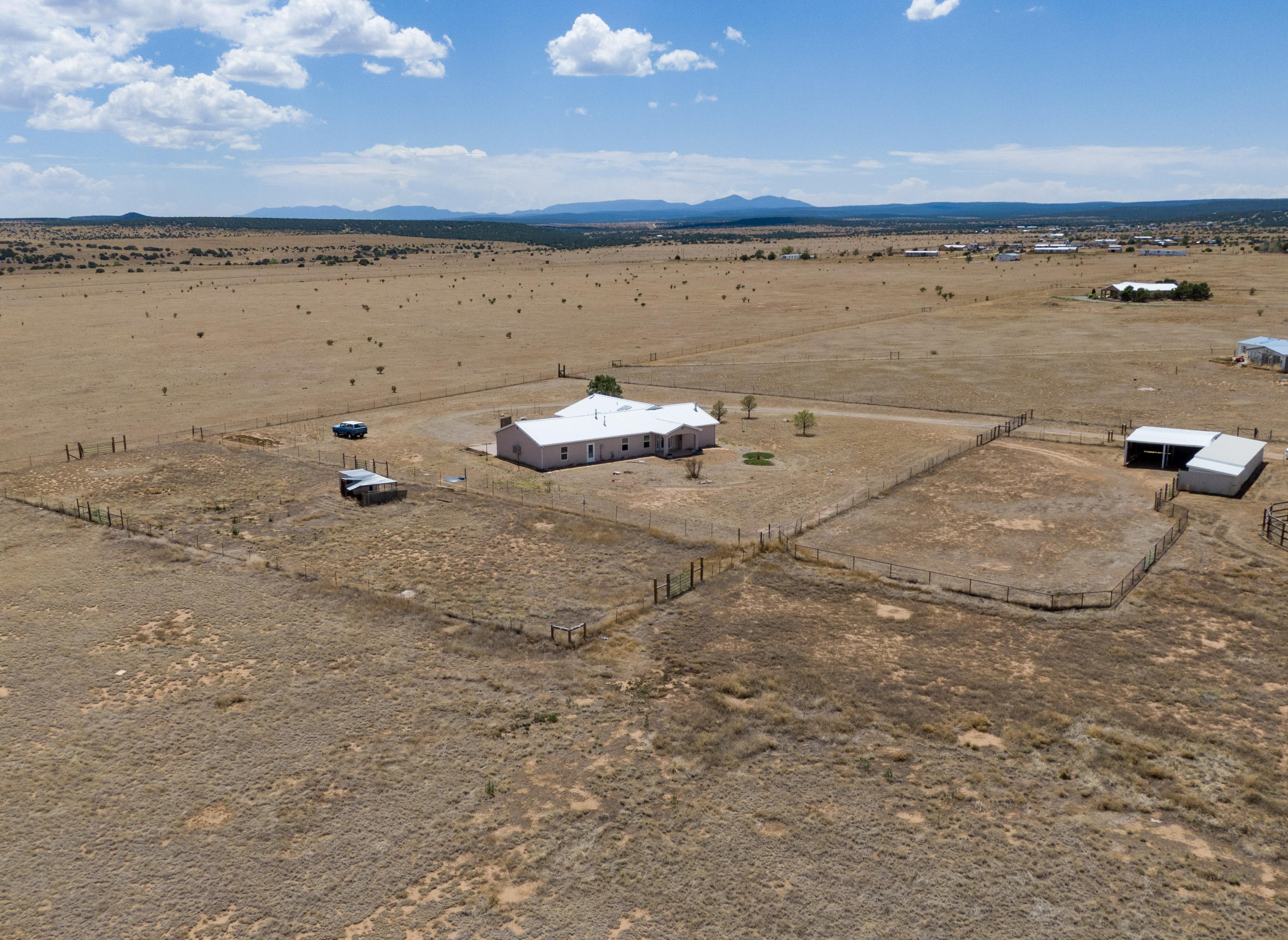 80 QUAIL Trail Property Photo - Moriarty, NM real estate listing