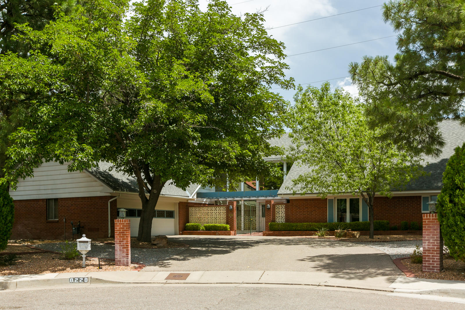 8228 PICKARD Court NE Property Photo - Albuquerque, NM real estate listing