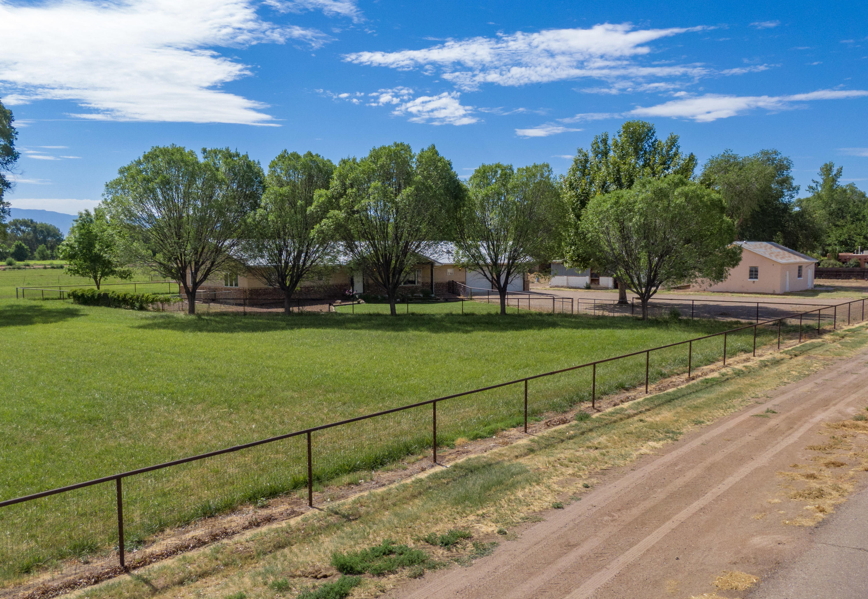 1700 W Bosque Loop Property Photo - Bosque Farms, NM real estate listing