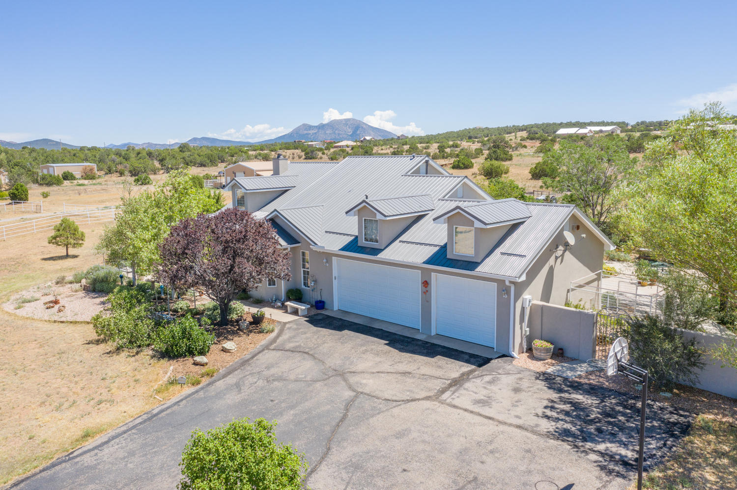 124 ELITE Drive Property Photo - Tijeras, NM real estate listing