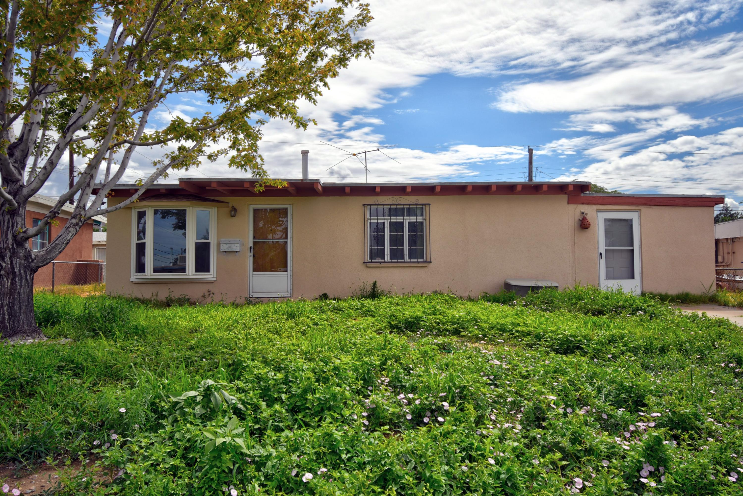 1328 GENERAL SOMERVELL Street NE Property Photo - Albuquerque, NM real estate listing