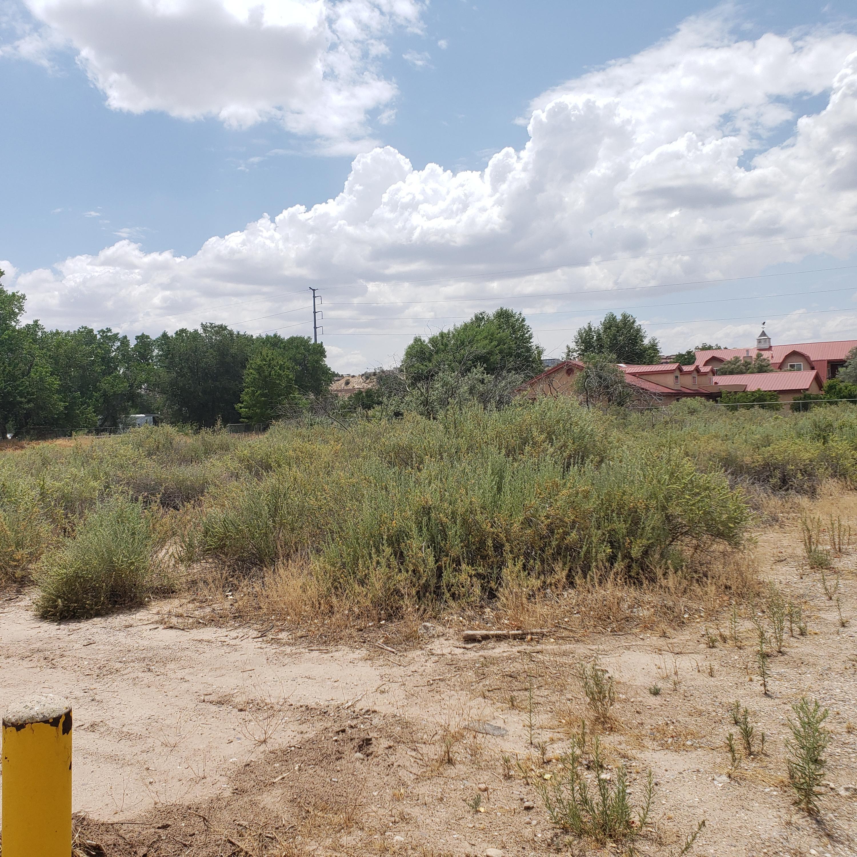 1829 Gabaldon Drive NW Property Photo - Albuquerque, NM real estate listing