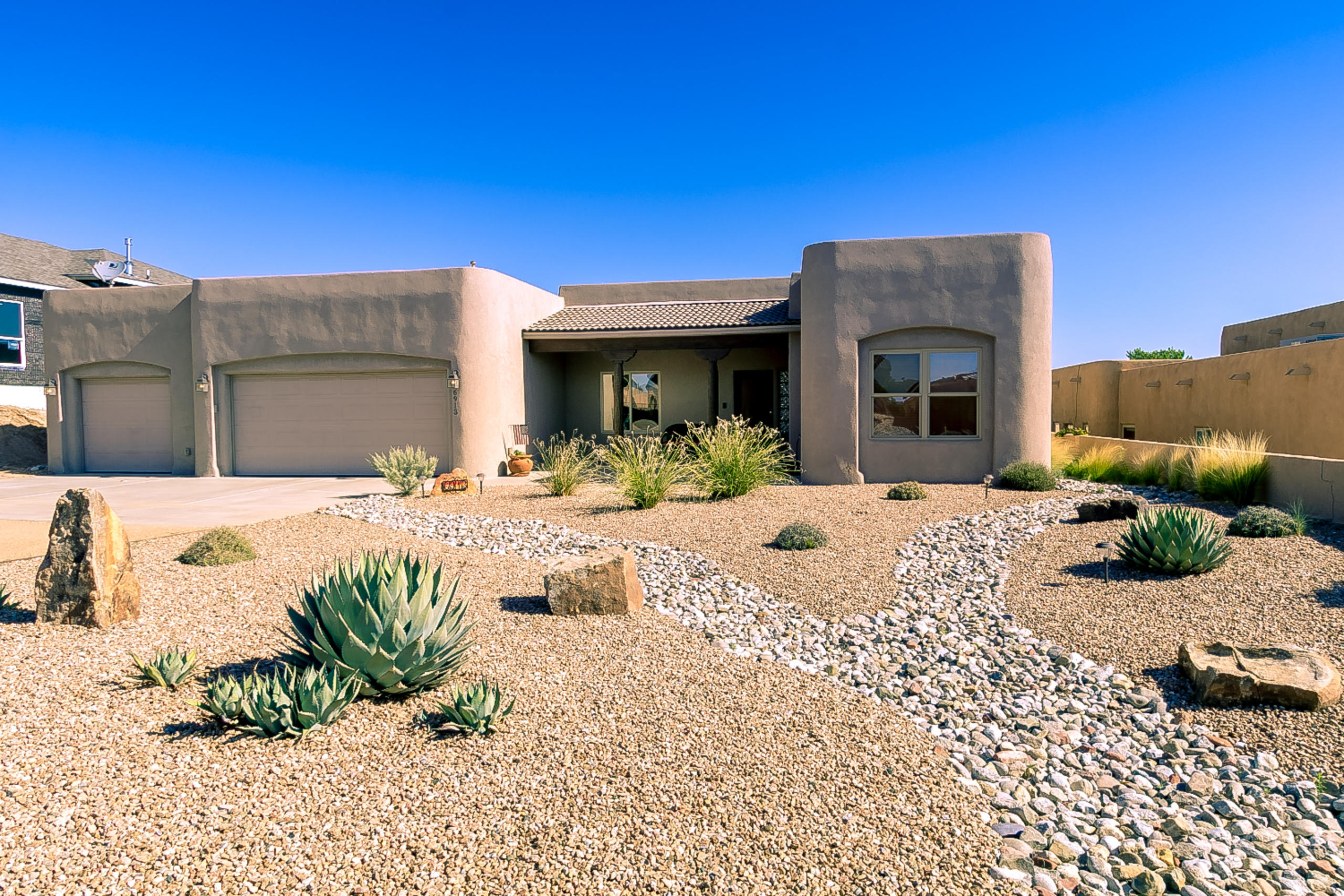 6913 KALGAN Road NE Property Photo - Rio Rancho, NM real estate listing