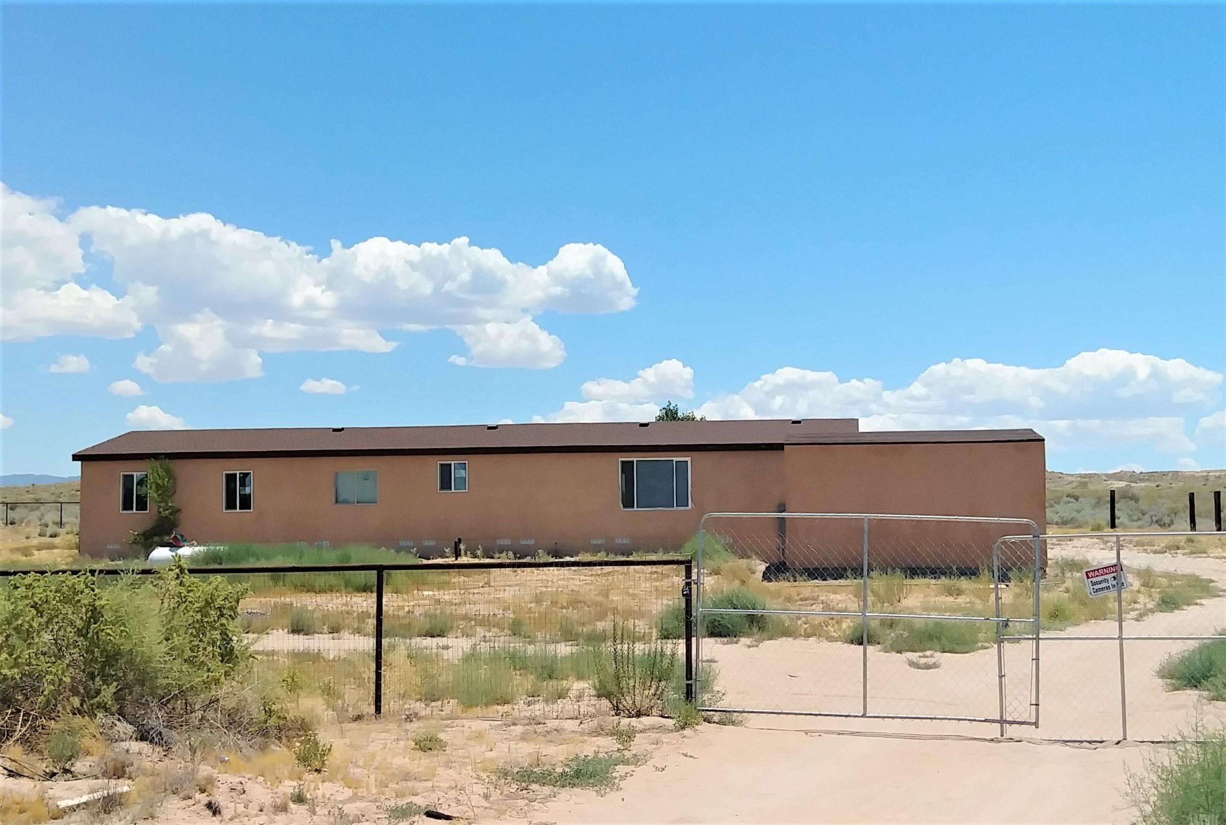 1 DOBYNS Place Property Photo 1