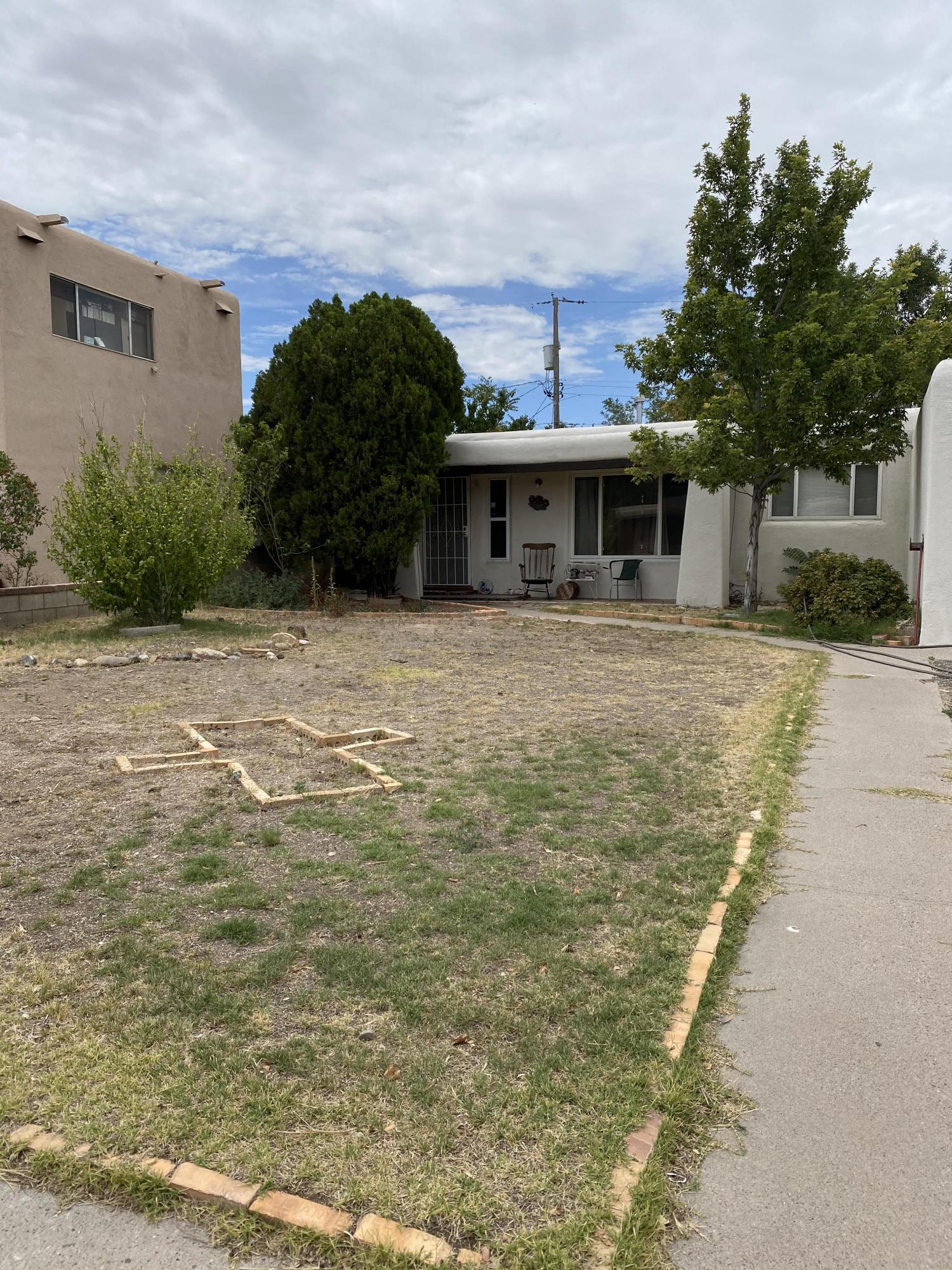 6216 HANNETT Avenue NE Property Photo - Albuquerque, NM real estate listing