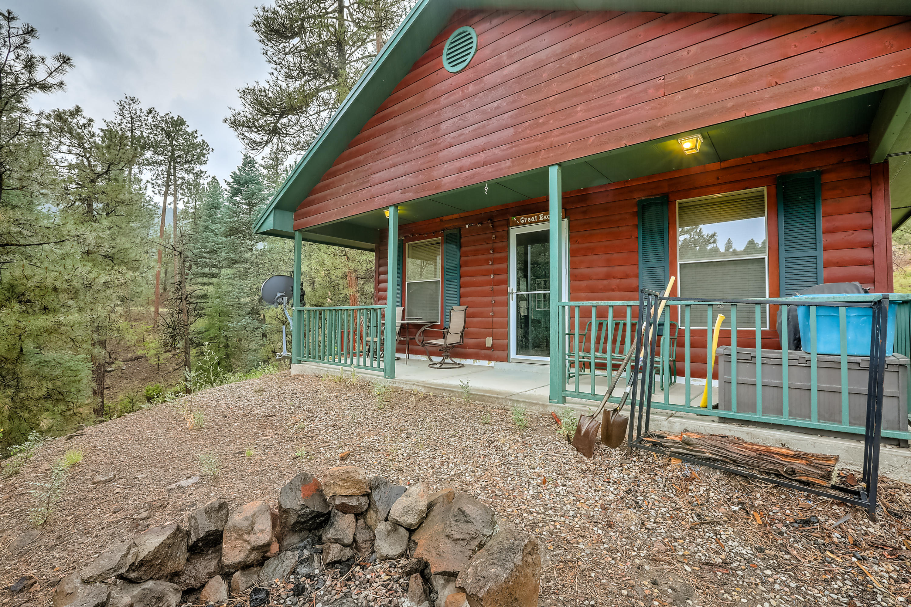 94 VISTA Loop Property Photo - Jemez Springs, NM real estate listing