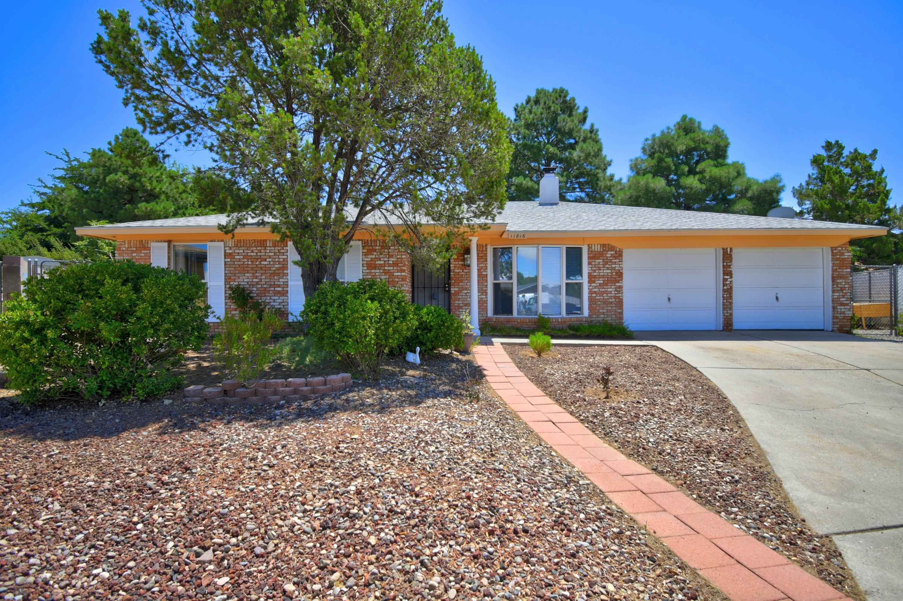 11816 TRACY Court NE Property Photo - Albuquerque, NM real estate listing
