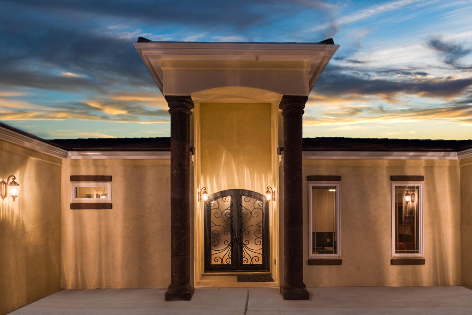 2504 LAKEVIEW Road SW Property Photo - Albuquerque, NM real estate listing