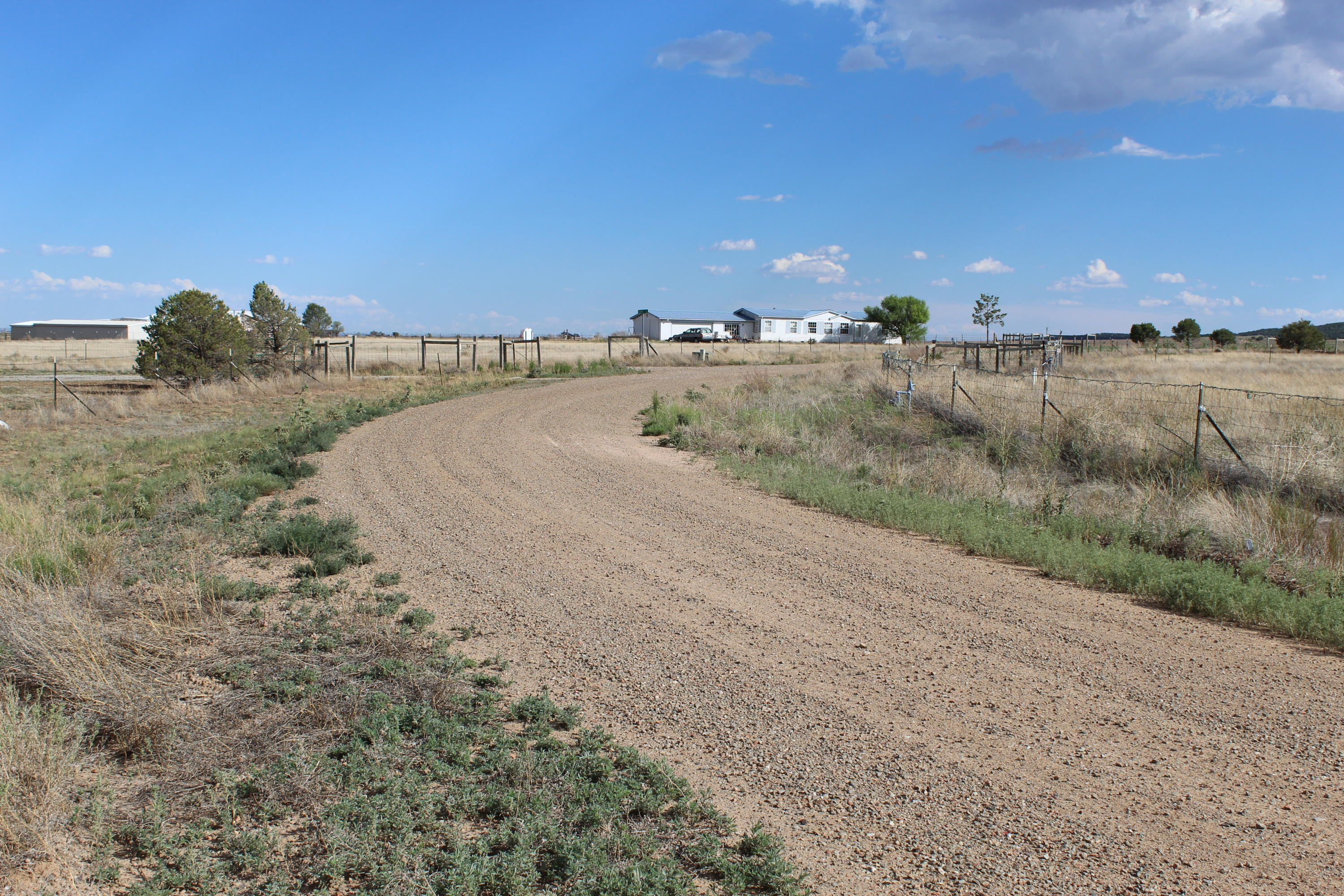 47 Coyote Loop Property Photo - Moriarty, NM real estate listing