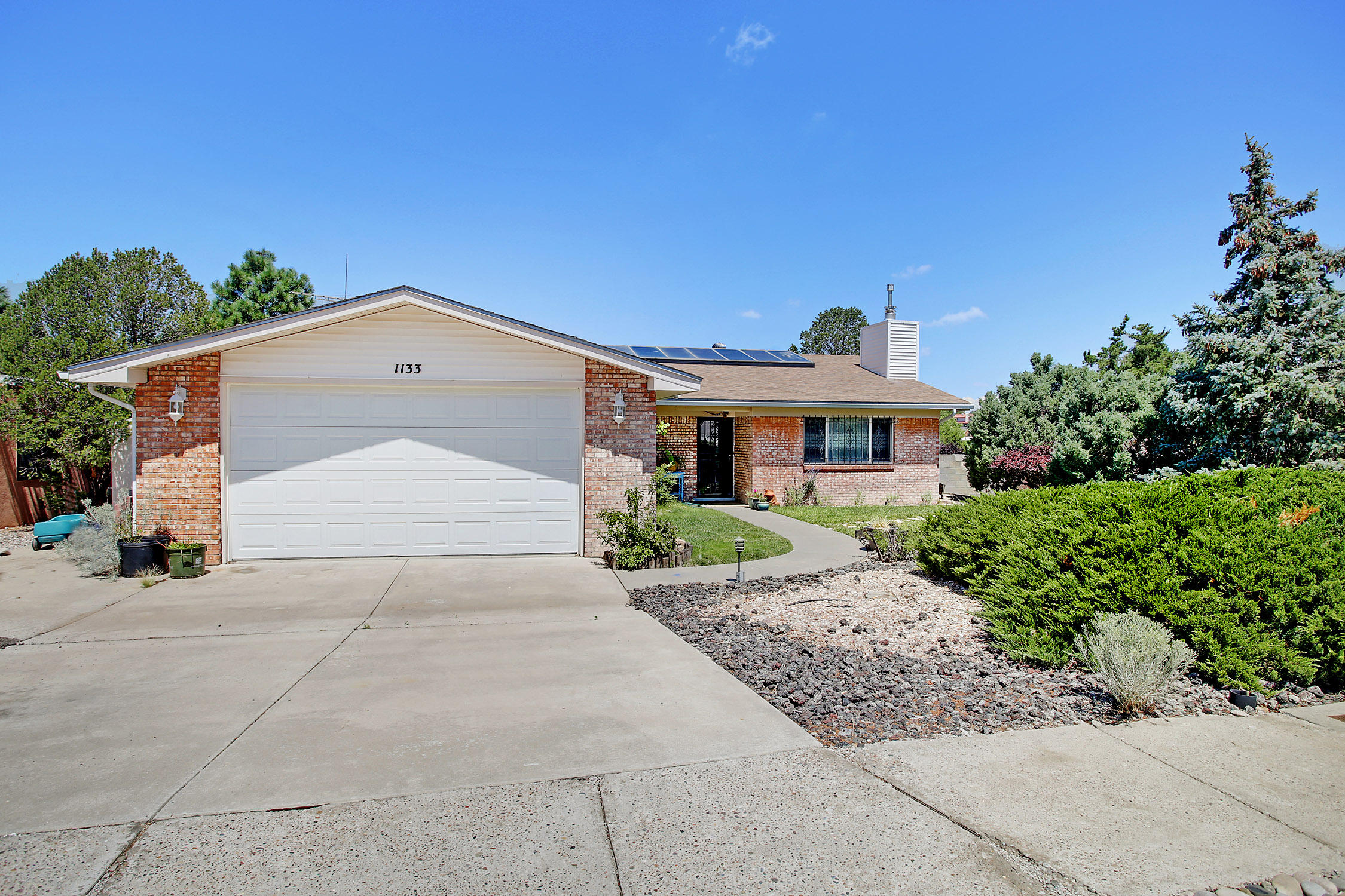 1133 LAWRENCE Drive NE Property Photo - Albuquerque, NM real estate listing