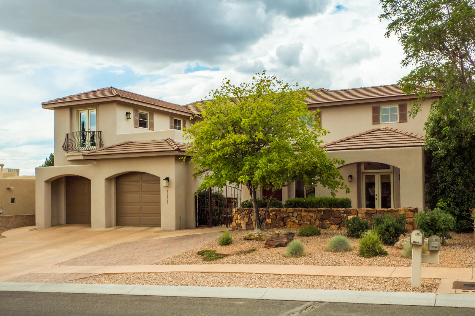 12609 Calle Del Oso Place NE Property Photo - Albuquerque, NM real estate listing
