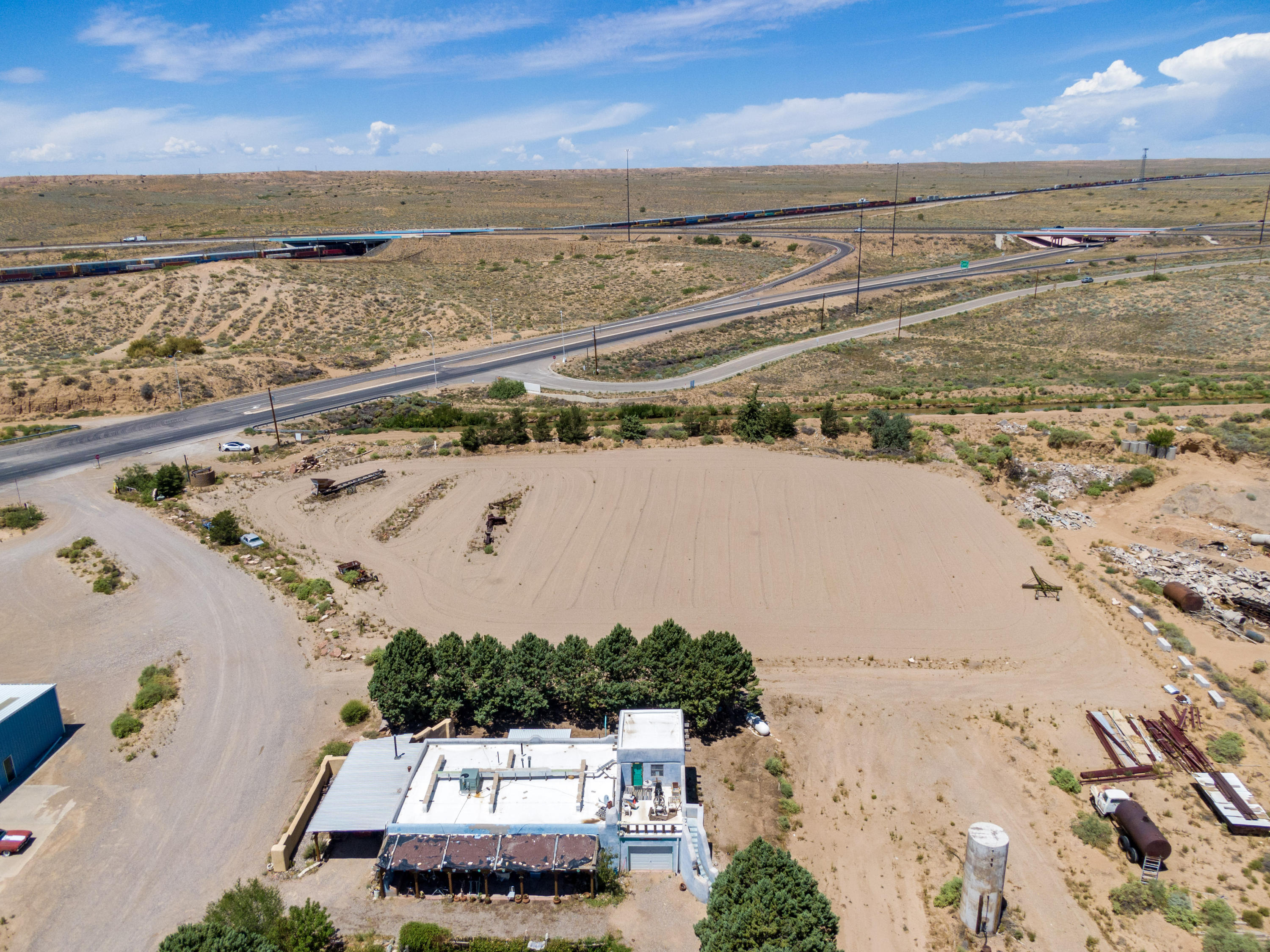7 INDUSTRIAL PARK Lane Property Photo - Belen, NM real estate listing