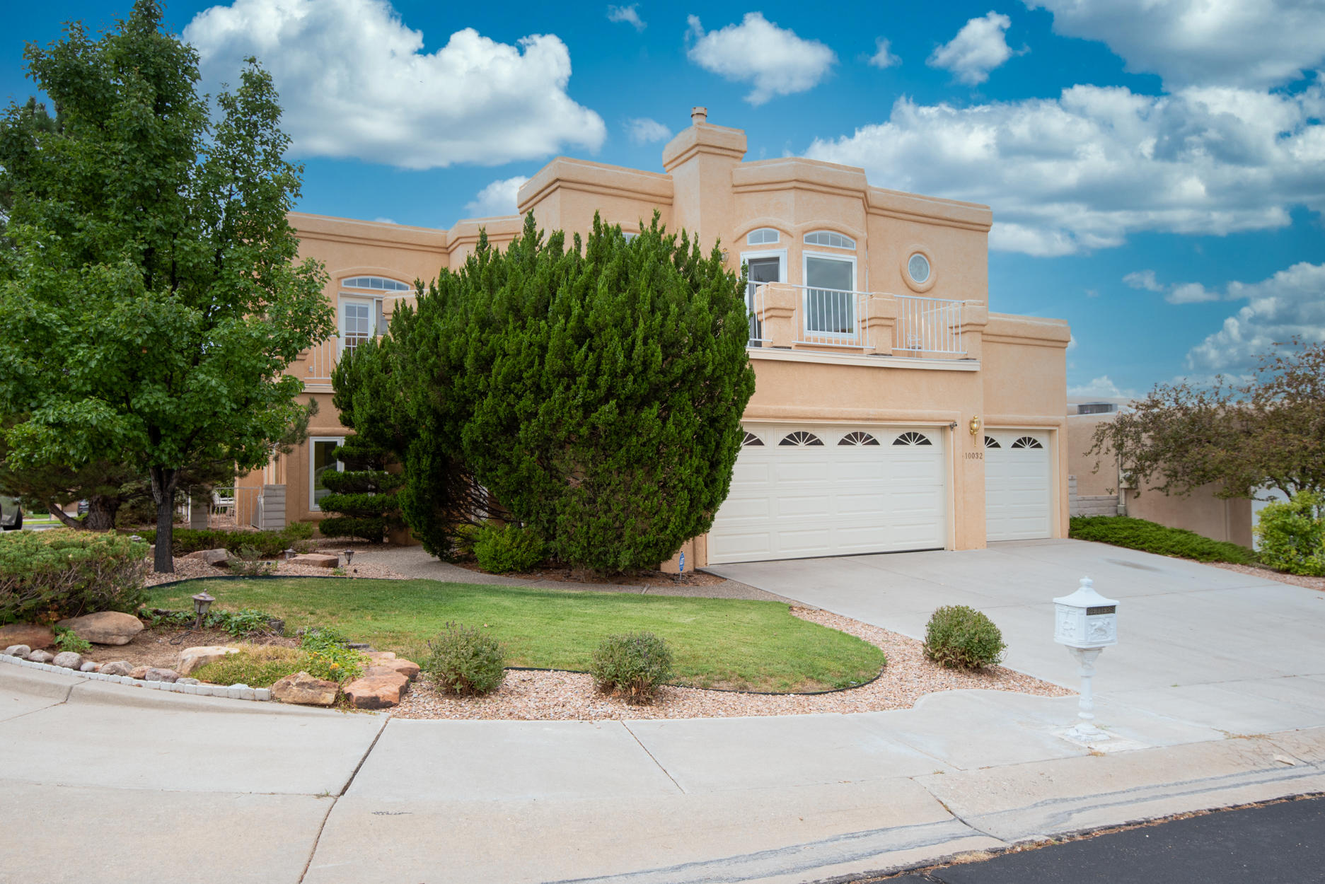10032 BRIDGEPOINTE Court NE Property Photo - Albuquerque, NM real estate listing