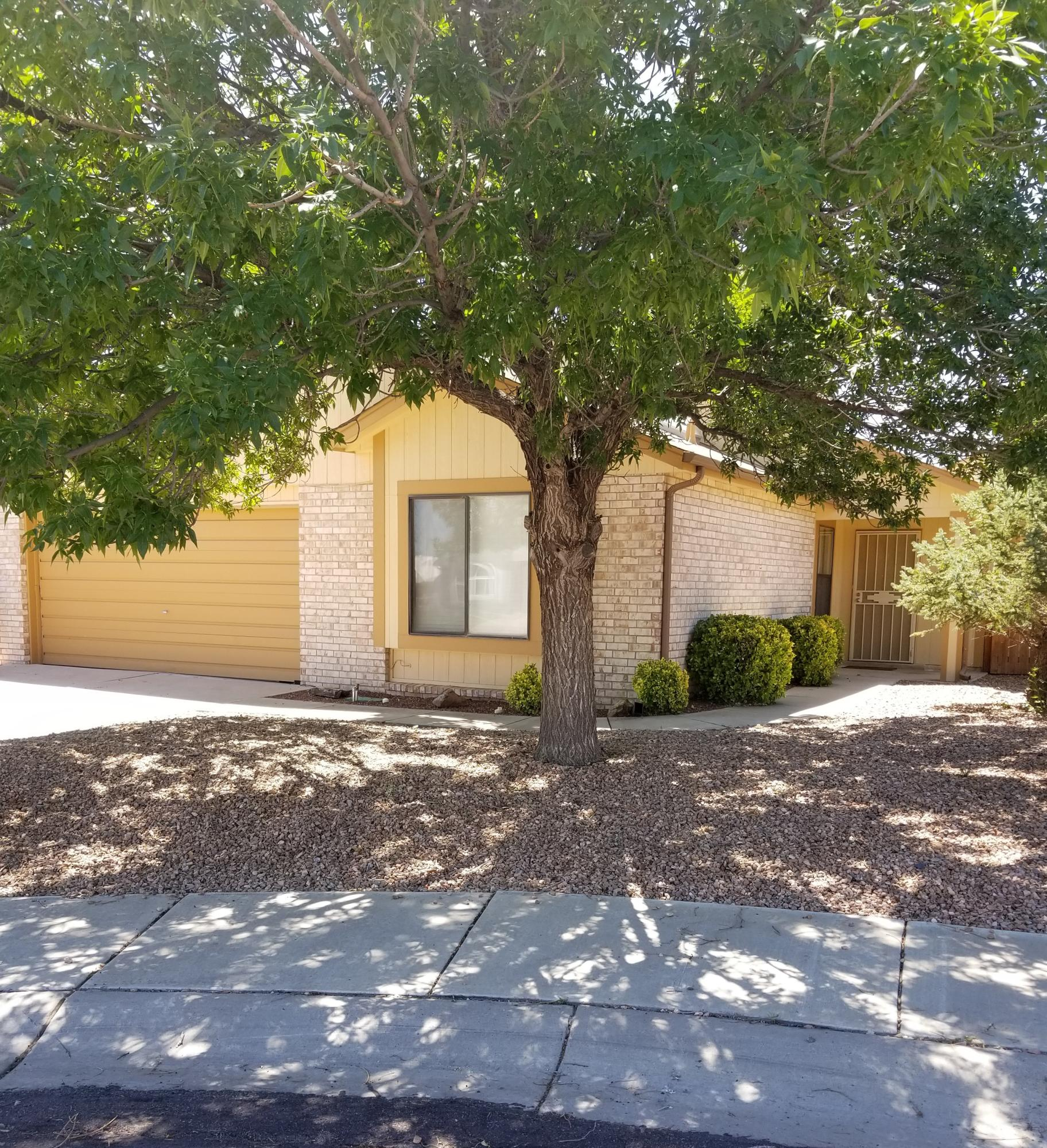 7704 SANTA CATARINA Court NW Property Photo - Albuquerque, NM real estate listing