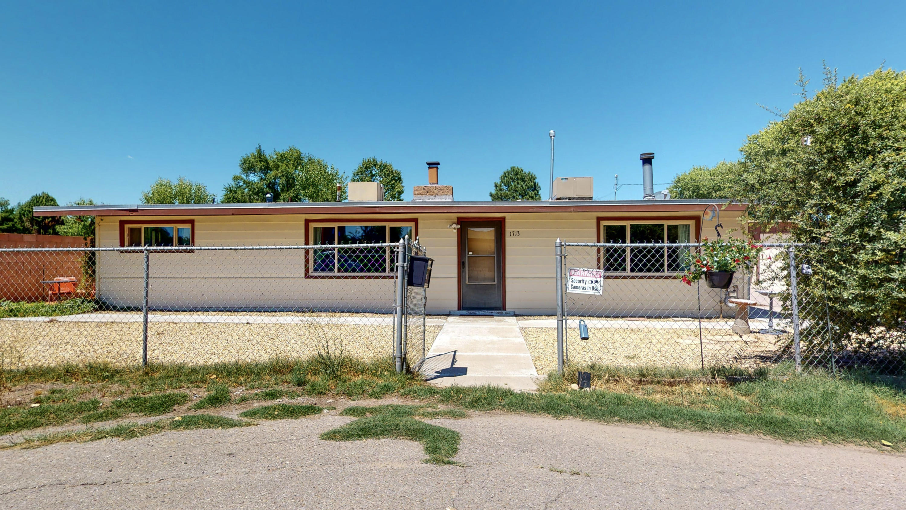1713 Powell Road SW Property Photo - Albuquerque, NM real estate listing