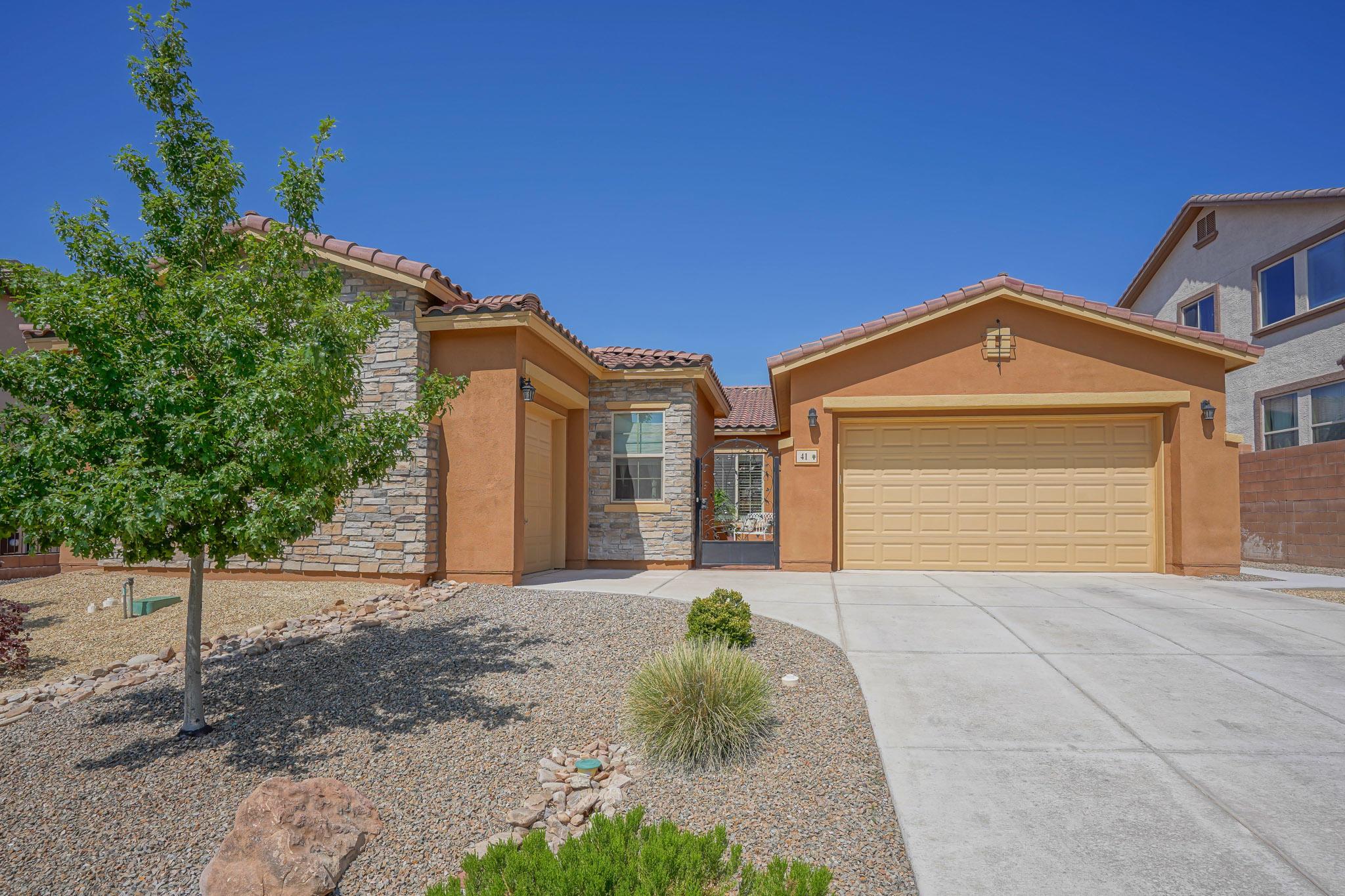 41 LOS BALCONES Place NE Property Photo - Rio Rancho, NM real estate listing