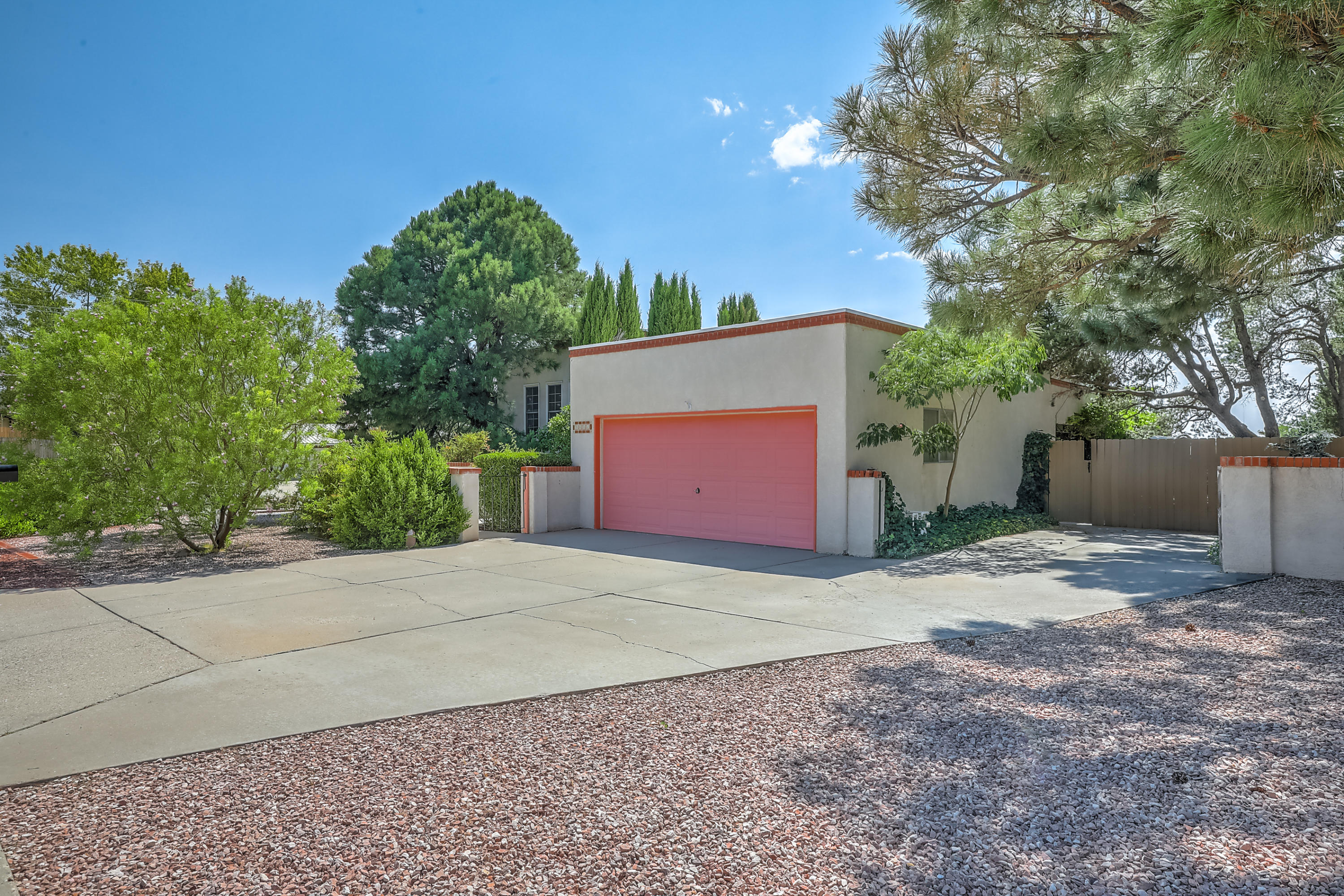 3001 TOREADOR Drive NE Property Photo - Albuquerque, NM real estate listing