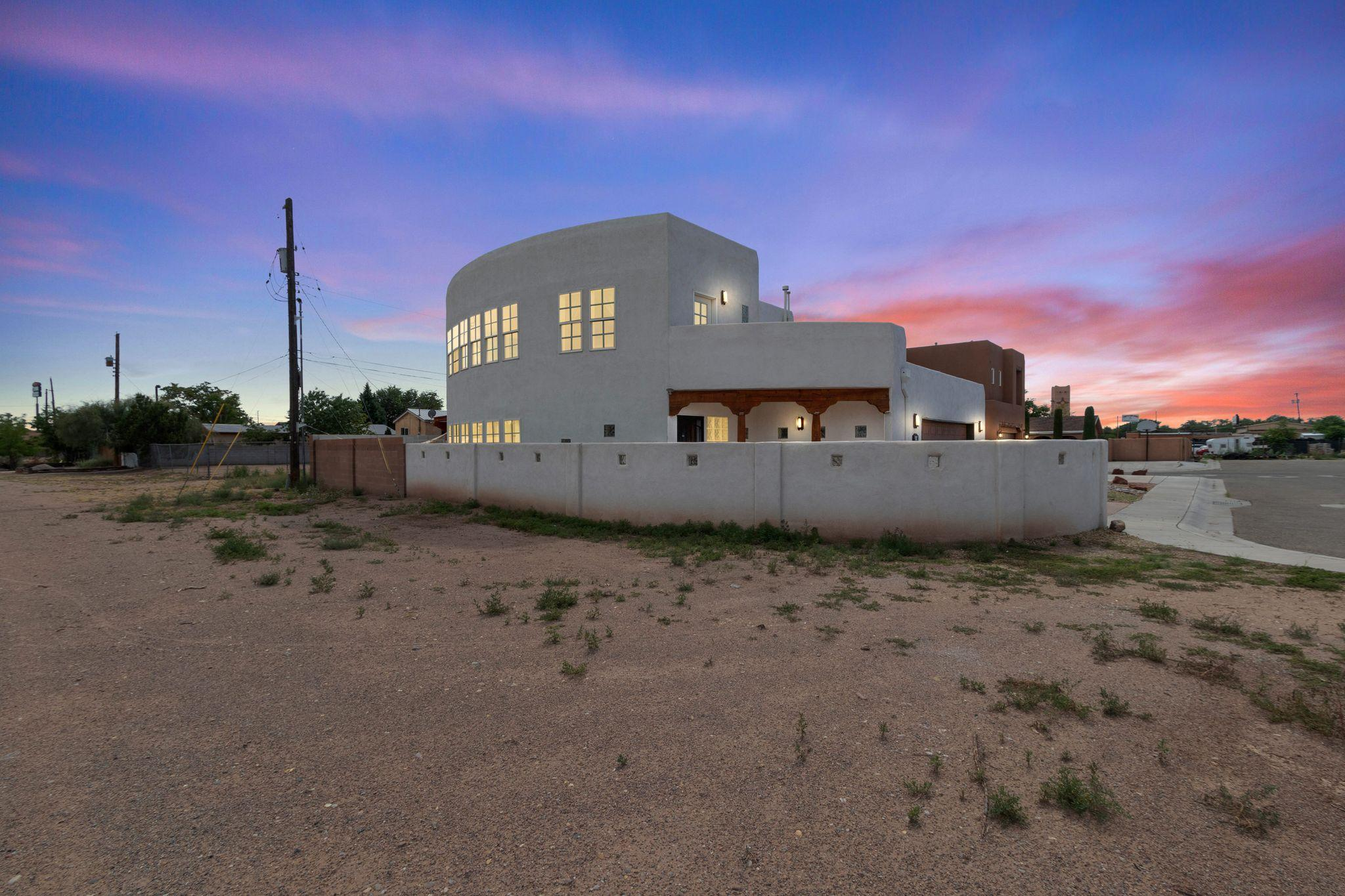 2100 San Venito Place NW Property Photo - Albuquerque, NM real estate listing