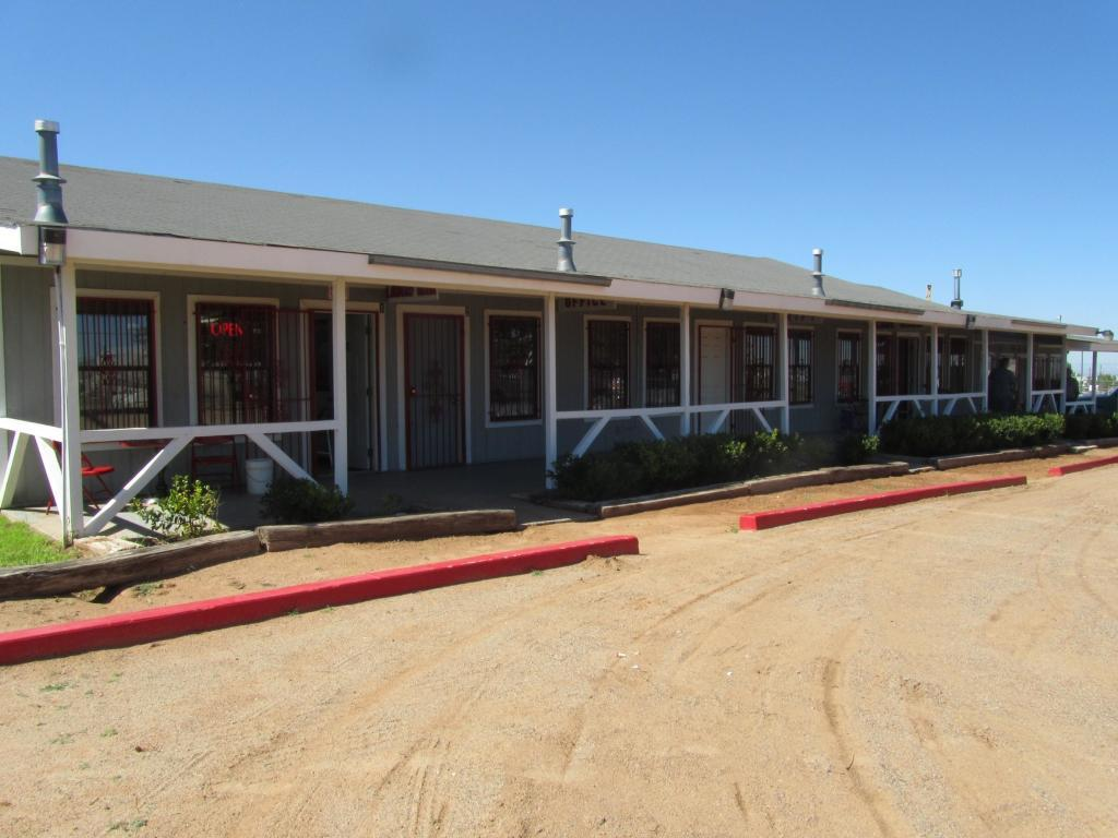 738 Meadowlake Road Property Photo - Los Lunas, NM real estate listing