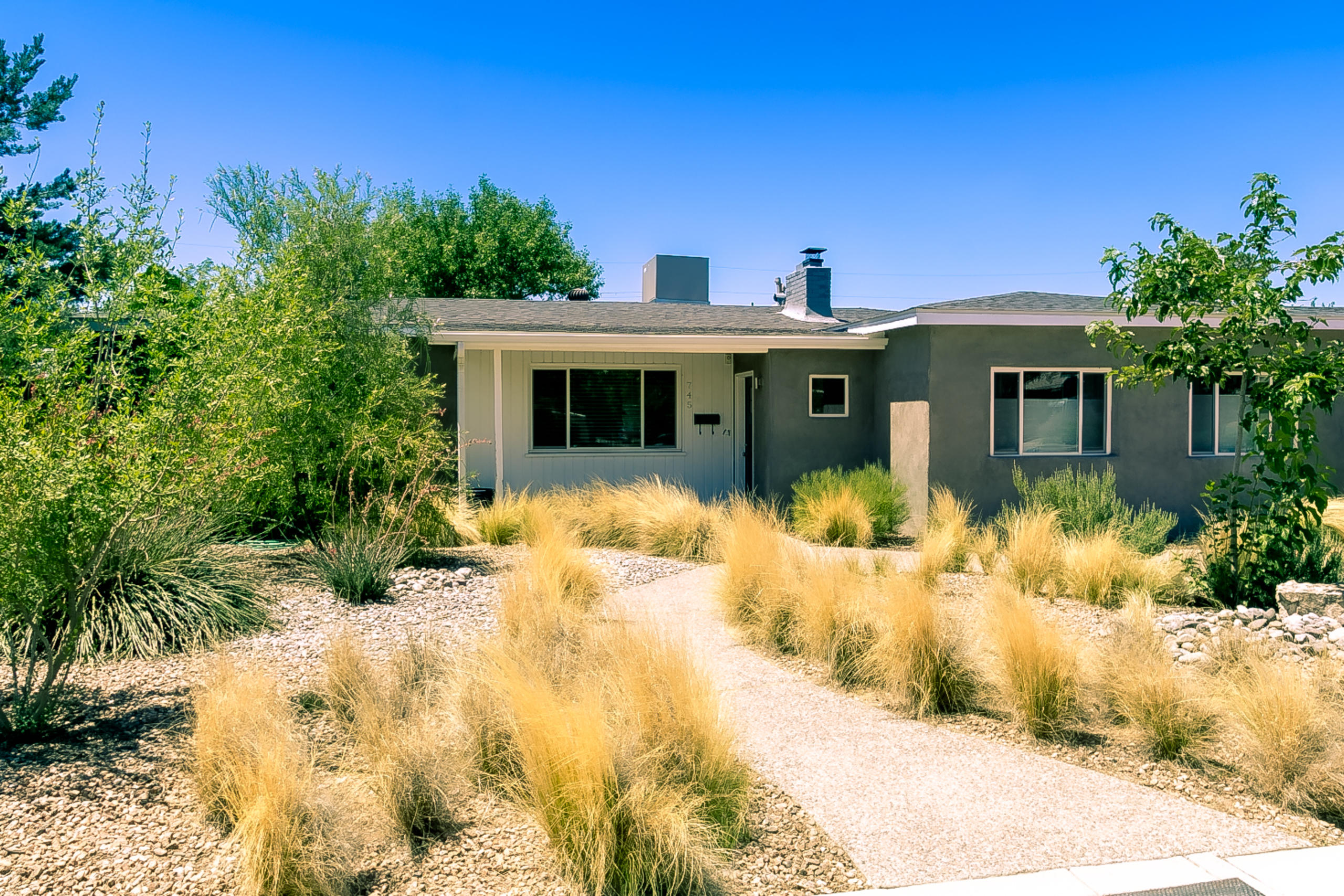 745 MORNINGSIDE Drive NE Property Photo - Albuquerque, NM real estate listing