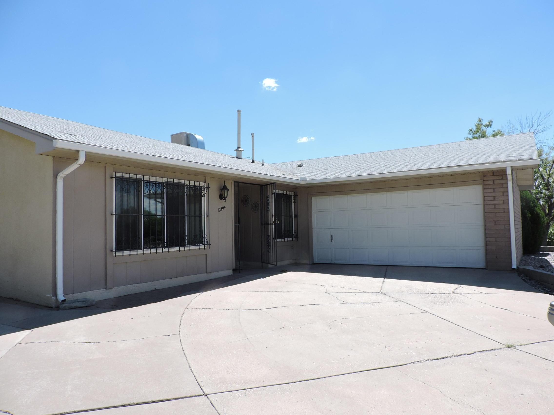 12404 Summer Avenue Ne Property Photo