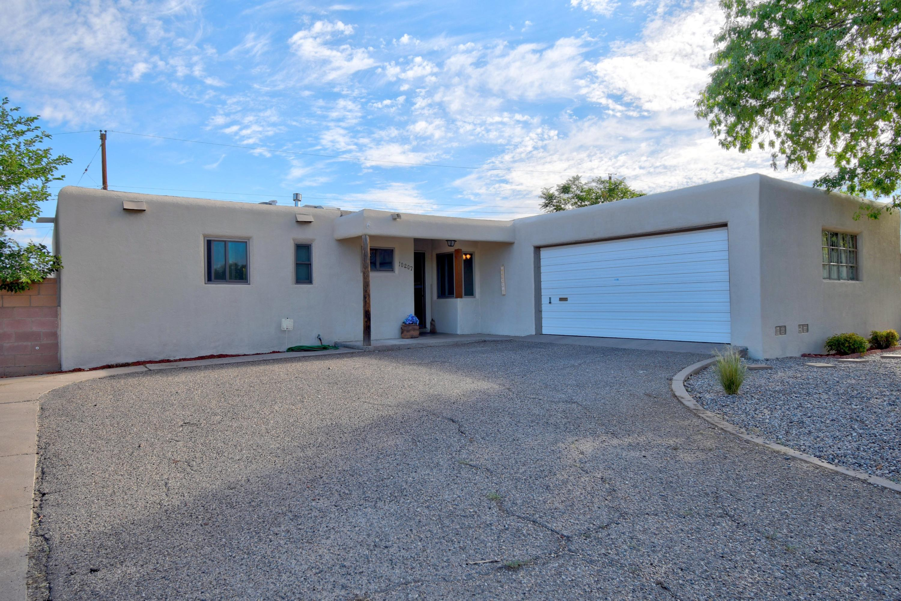 10207 Snow Heights Boulevard NE Property Photo - Albuquerque, NM real estate listing