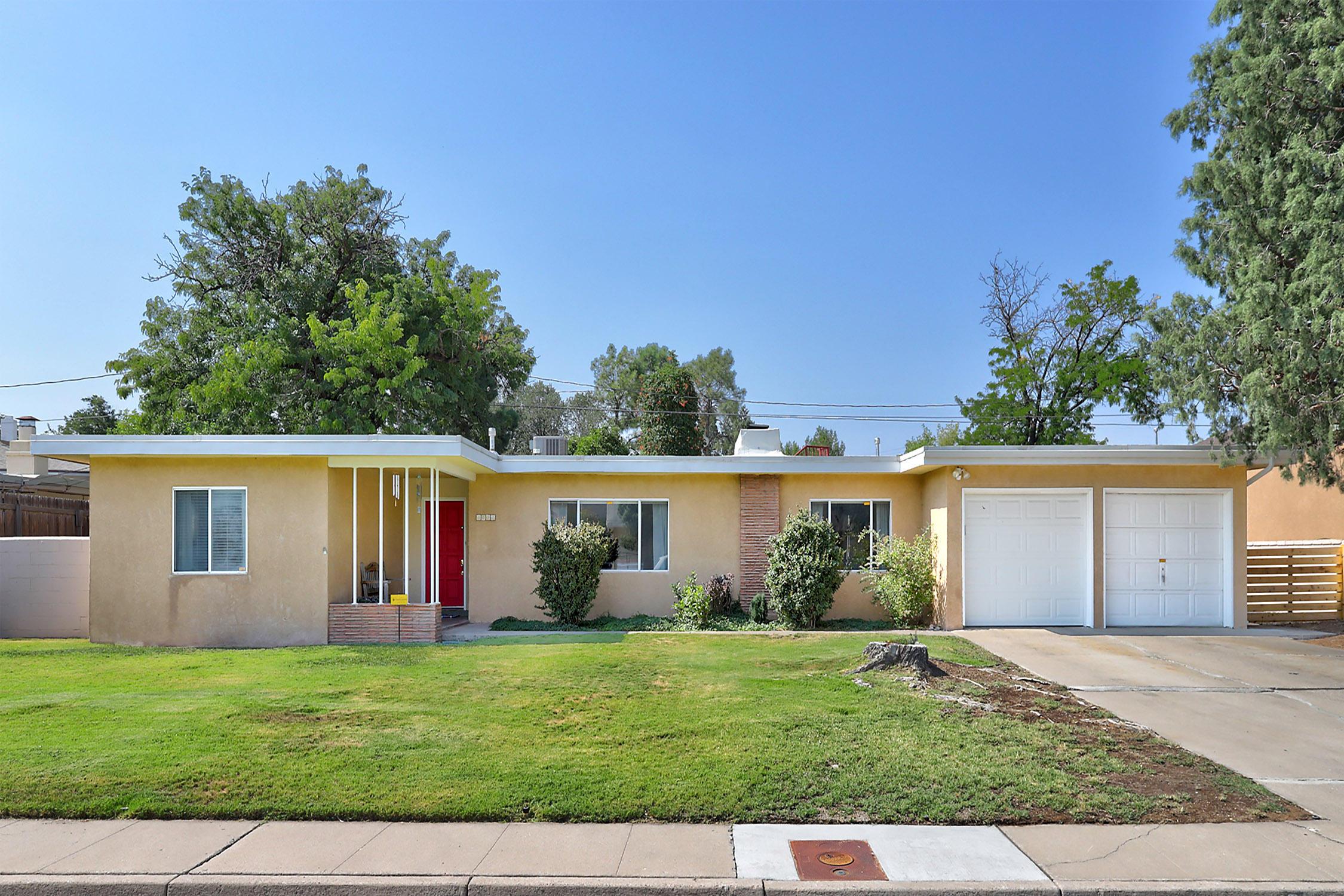 3612 LA HACIENDA Place NE Property Photo - Albuquerque, NM real estate listing