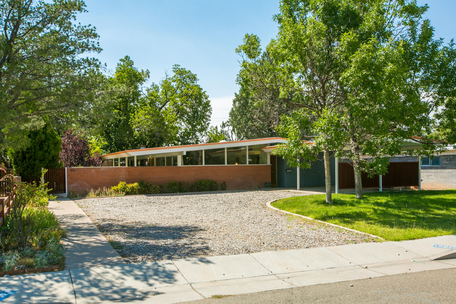 1921 Morningside Drive NE Property Photo - Albuquerque, NM real estate listing