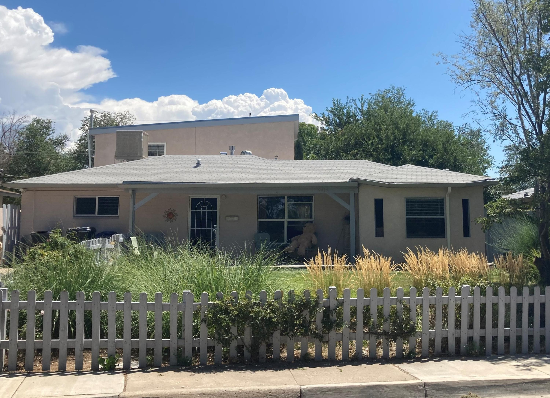 9418 CLAREMONT Avenue NE Property Photo - Albuquerque, NM real estate listing