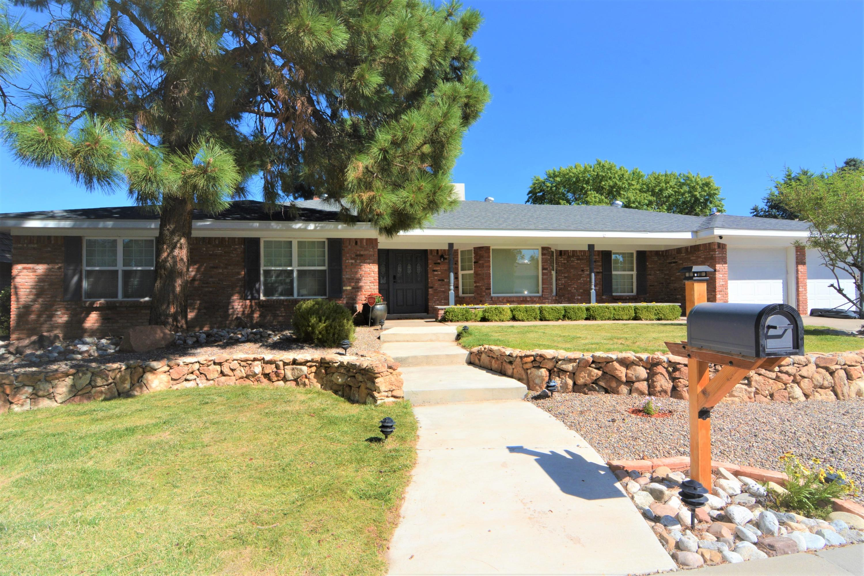 7017 CARRIAGE Road NE Property Photo - Albuquerque, NM real estate listing