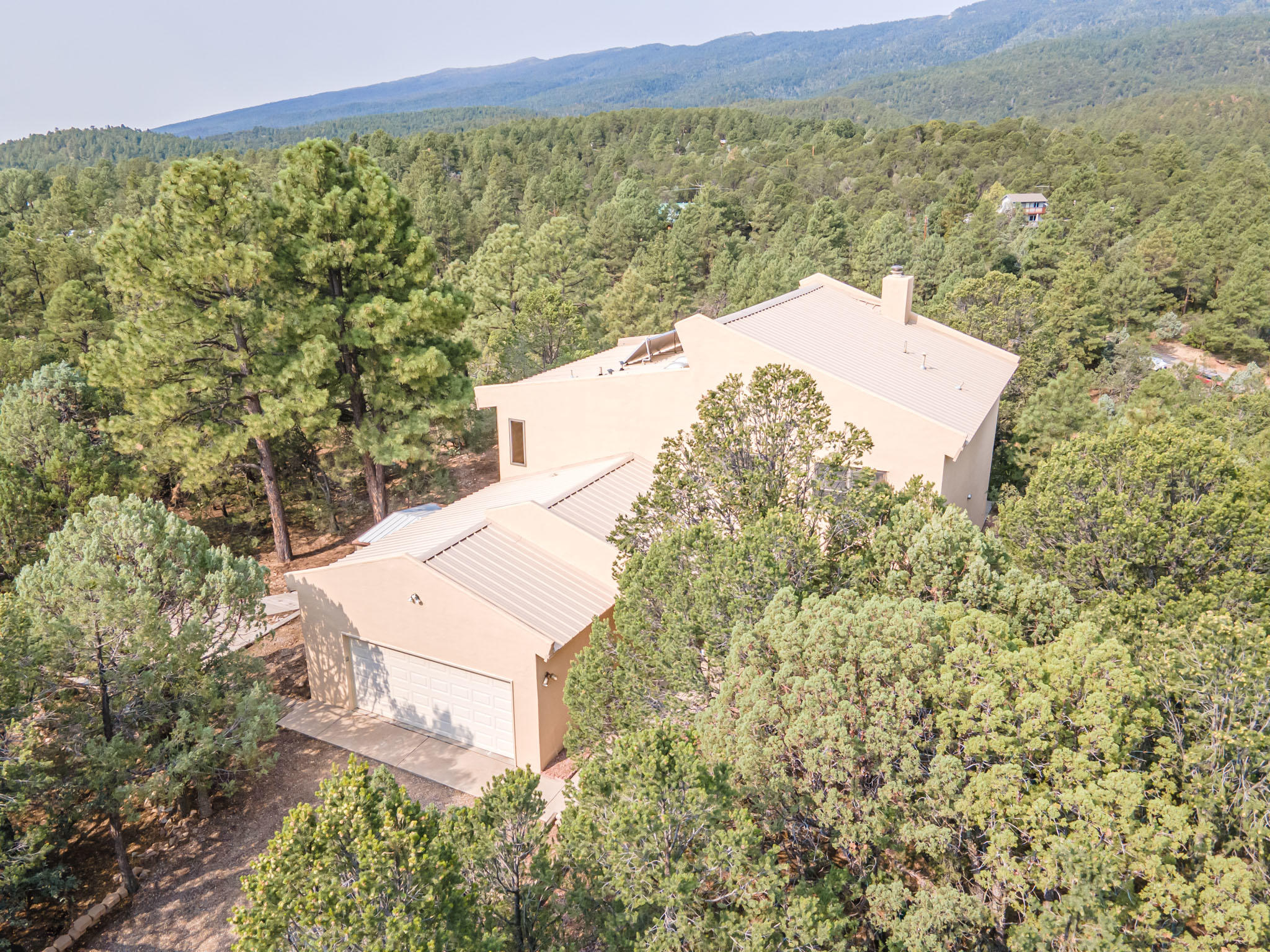5 Crest Court Property Photo