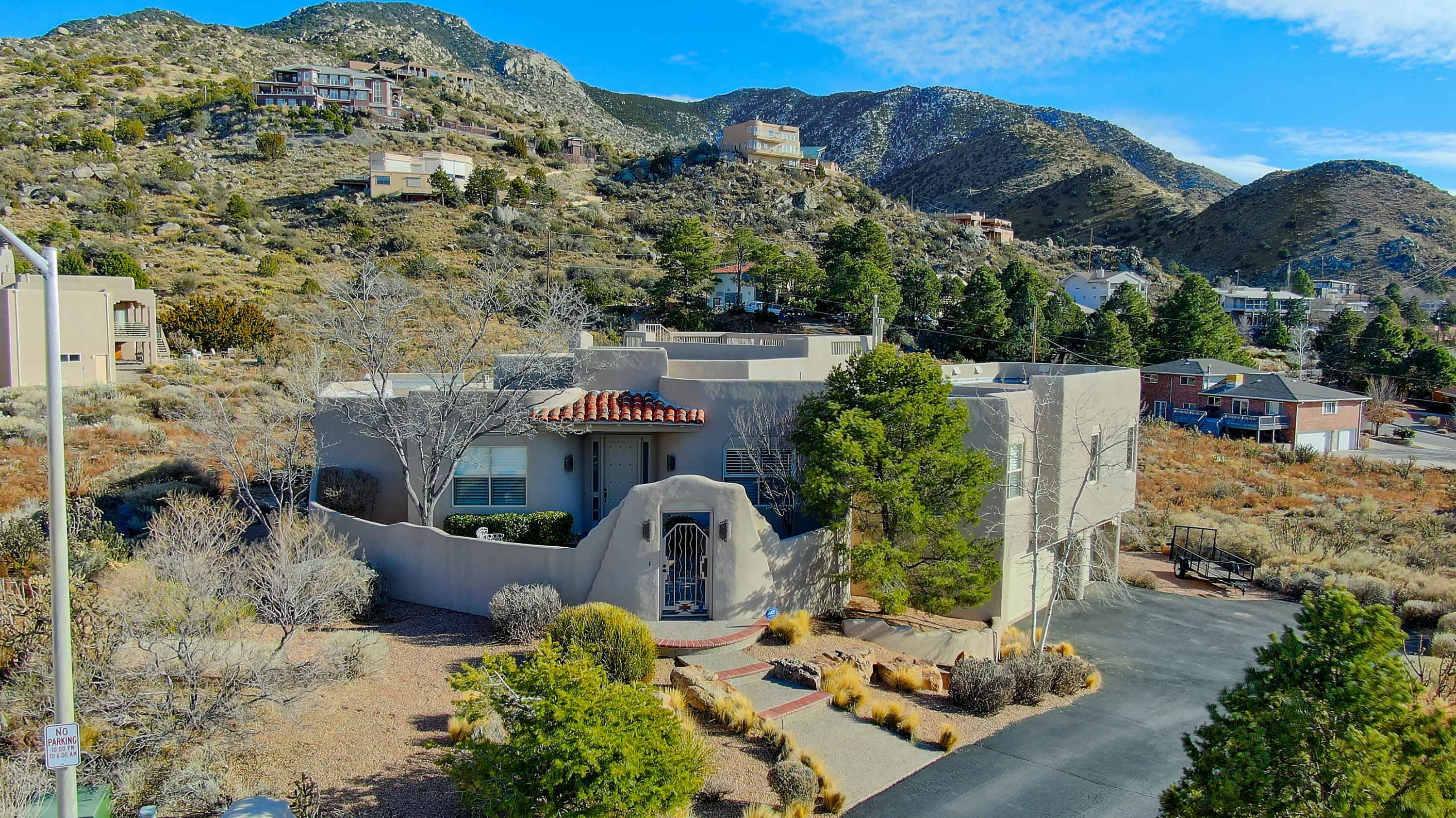 4900 CRESTA DEL SUR Court NE Property Photo - Albuquerque, NM real estate listing
