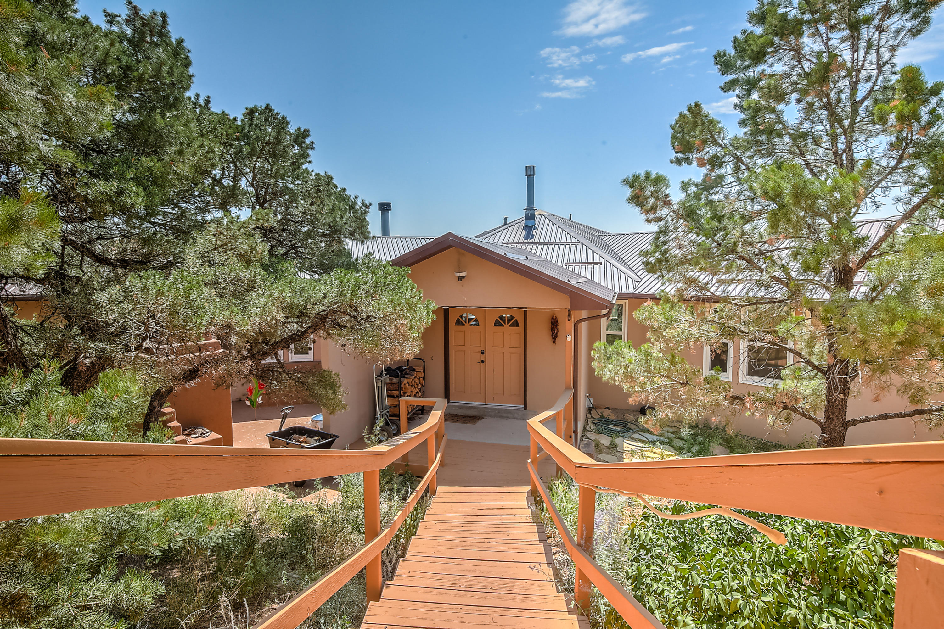 38 CALYX Lane Property Photo - Cedar Crest, NM real estate listing