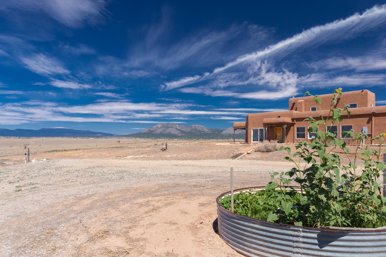 27 Cross Ranch Road Property Photo