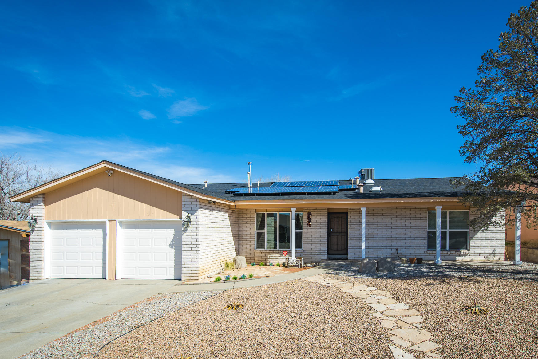 7317 Welton Drive NE Property Photo - Albuquerque, NM real estate listing